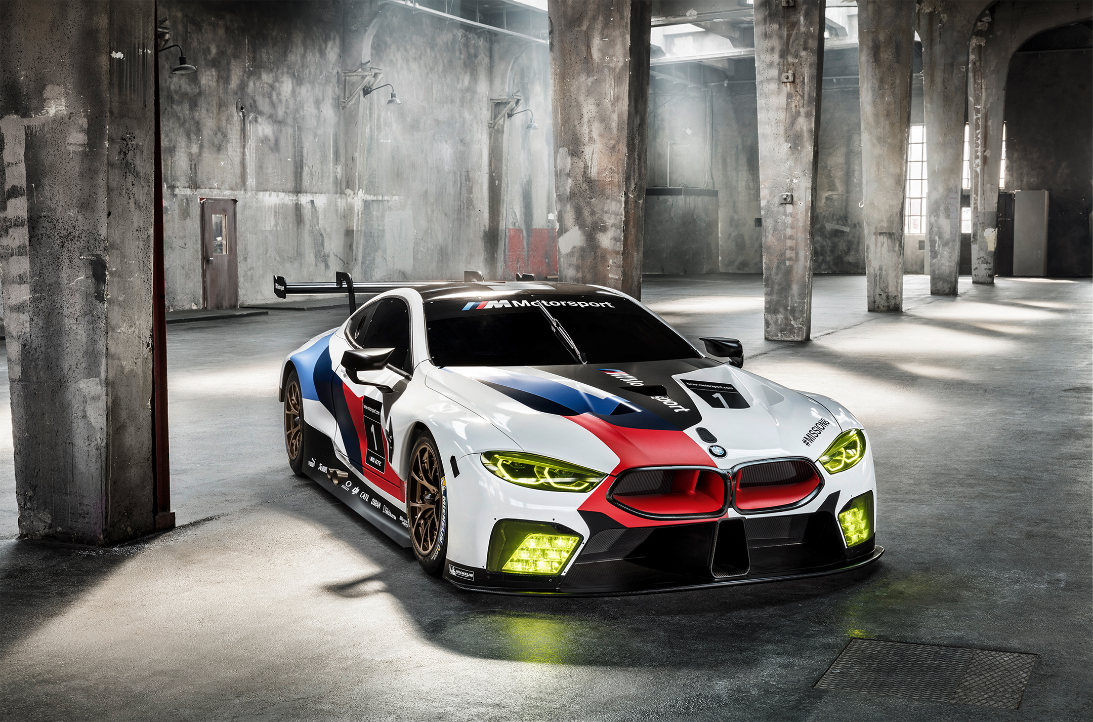 BMW M8 GTE - 2018 - front side-face / profil avant