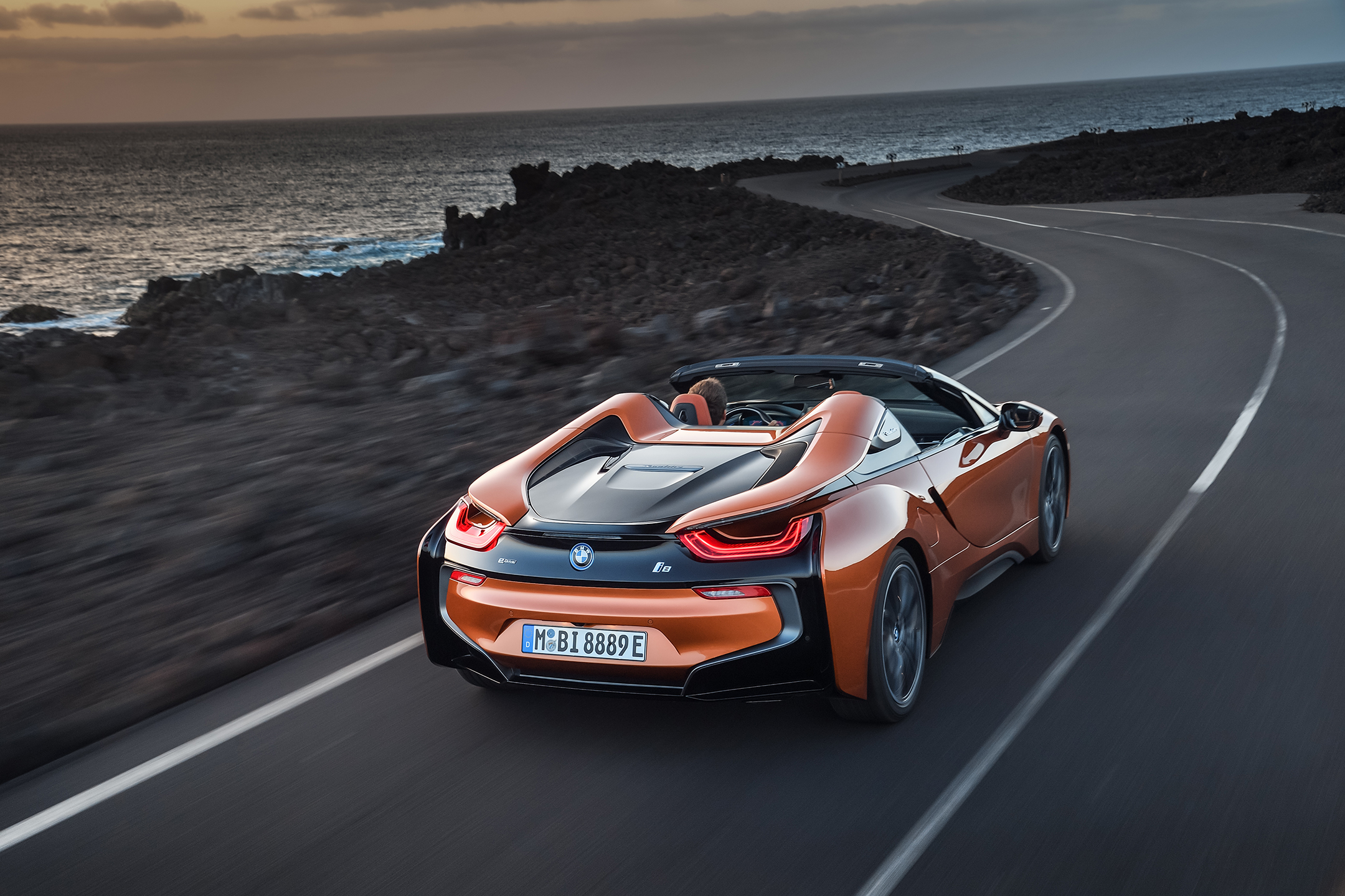 BMW i8 Roadster - 2017 - rear side-face / profil arrière