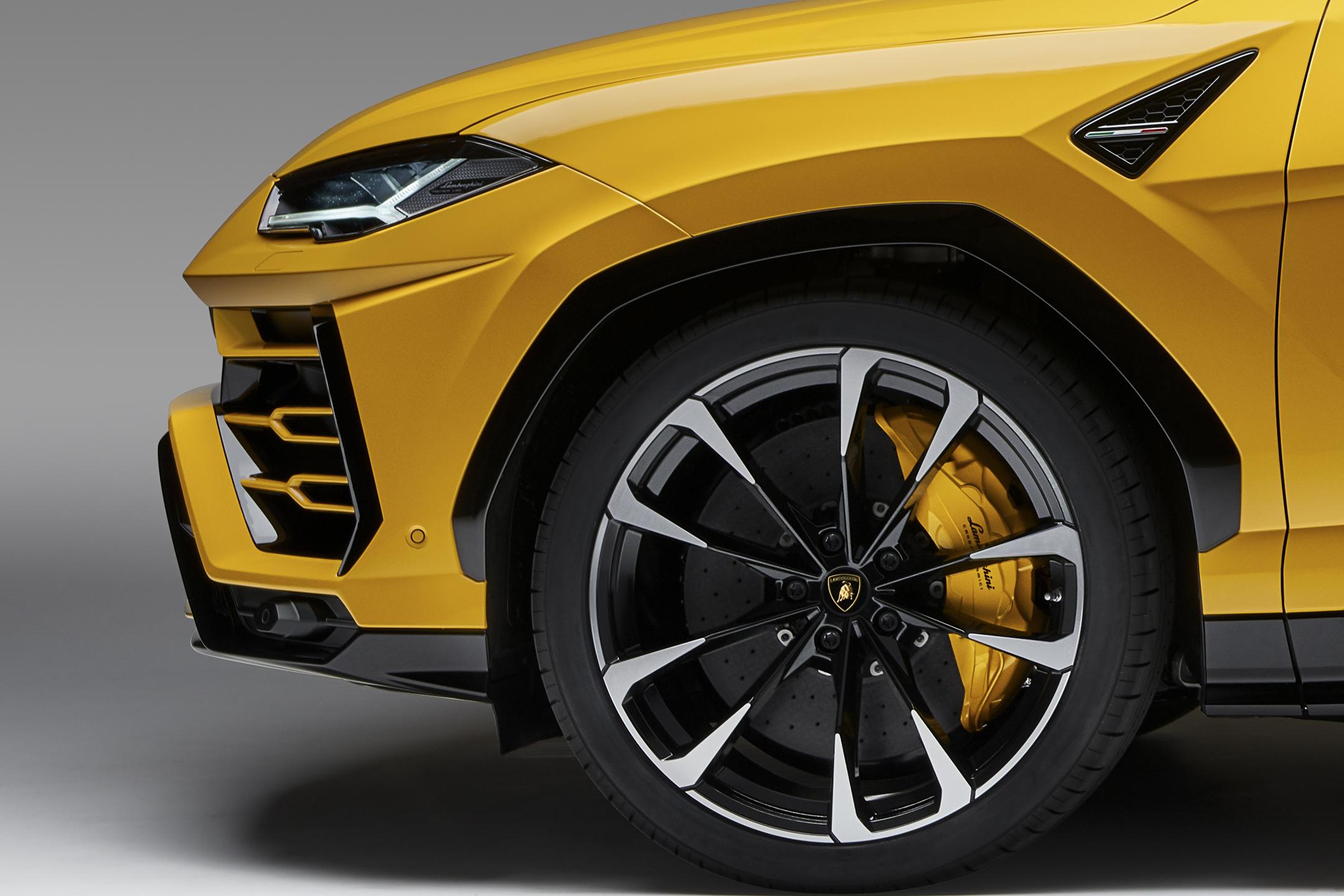 Lamborghini Urus - 2018 - front wheel