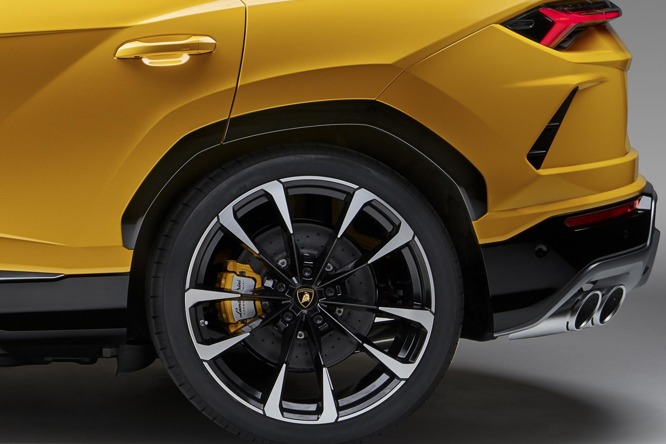 Lamborghini Urus - 2018 - rear wheel