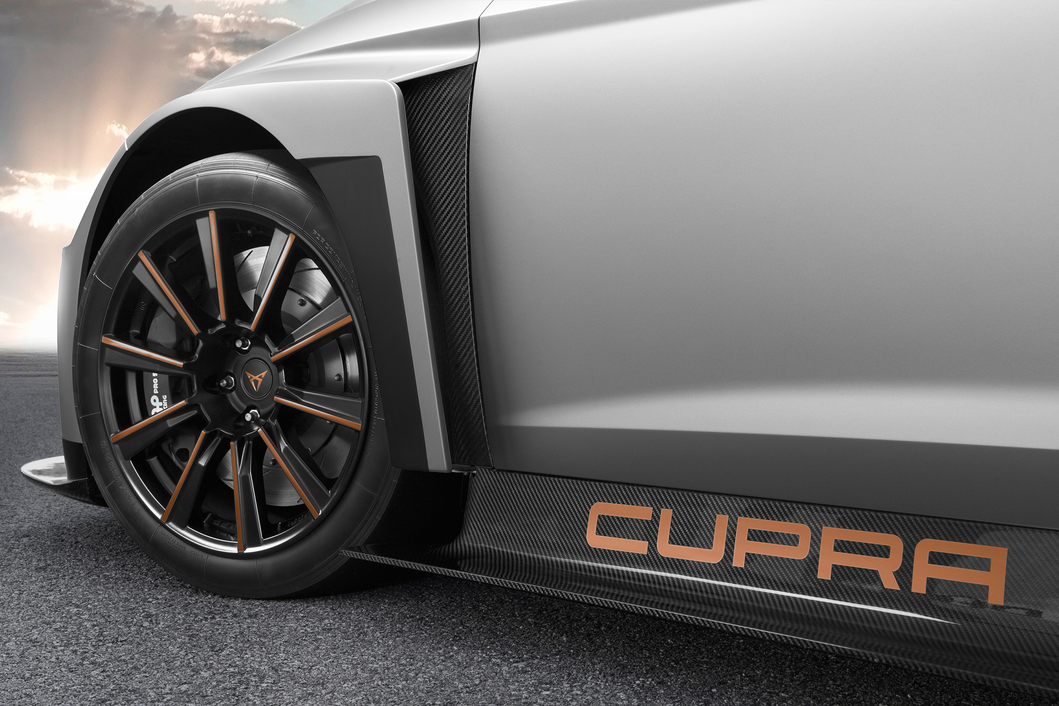 CUPRA TCR - 2018 - side