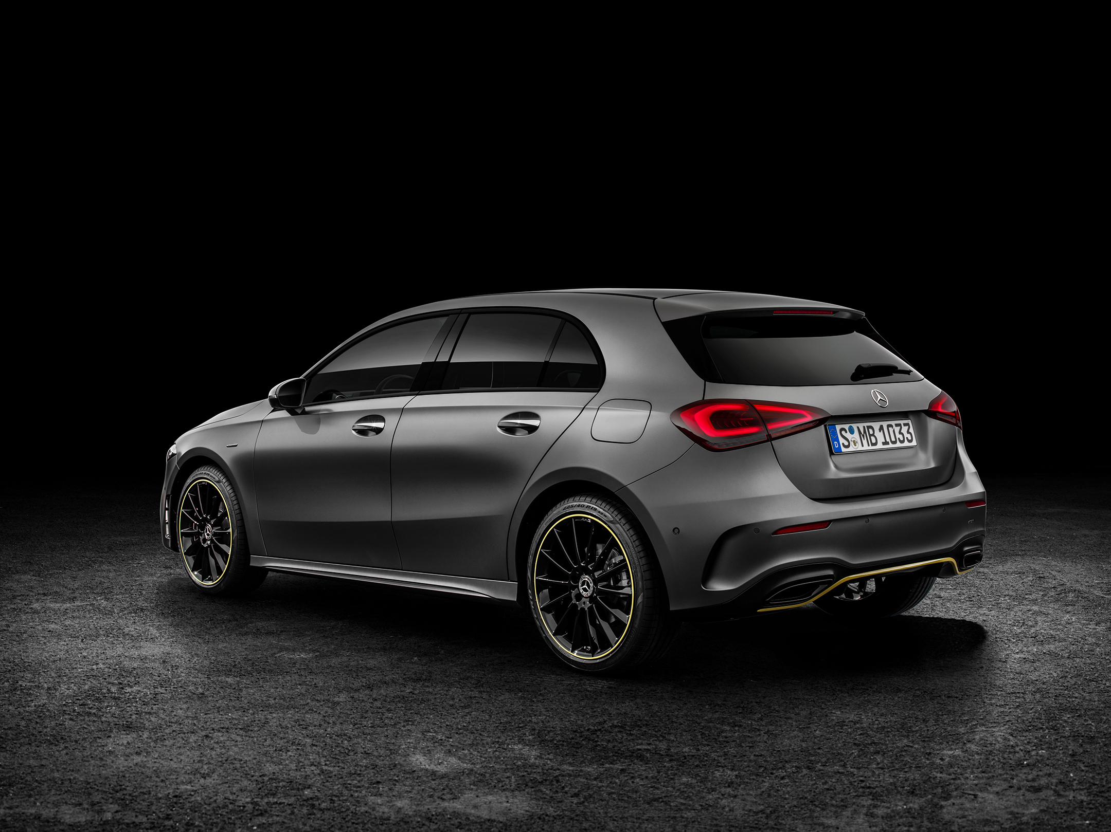 Mercedes-Benz A-Class - 2018 - rear side-face / profil arrière