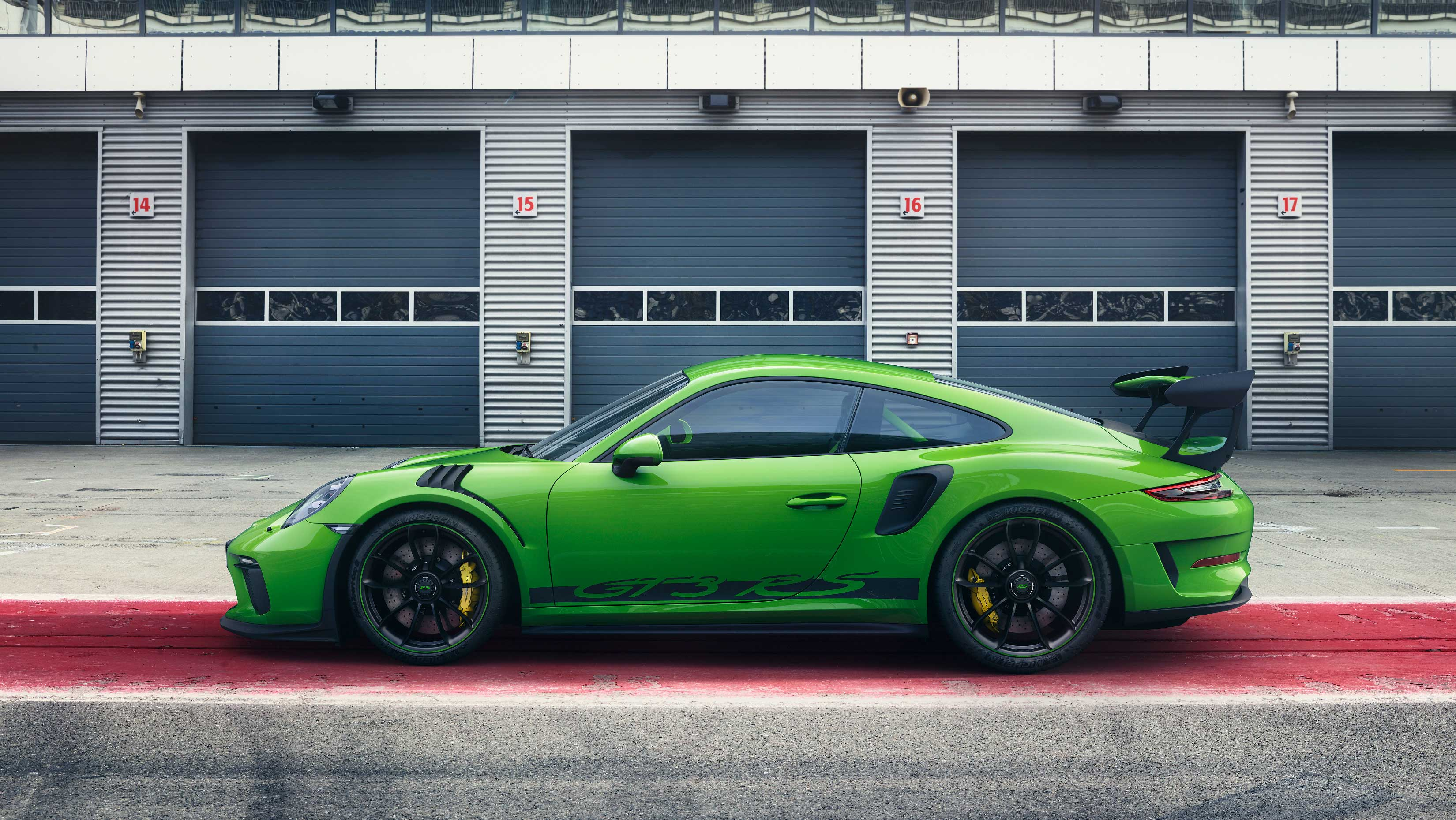 Porsche 911 GT3 RS - 2018 - side-face