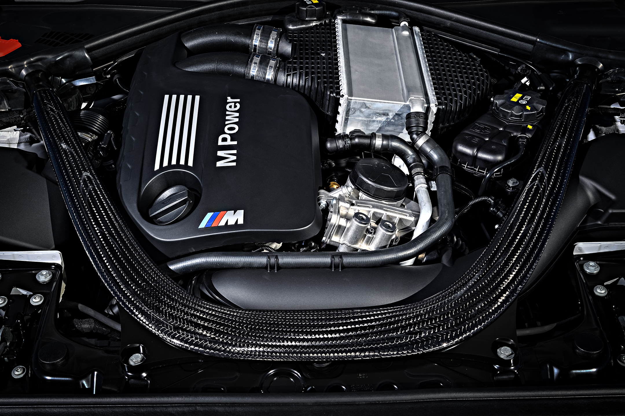 BMW M2 Competition - 2018 - under the hood - engine / moteur