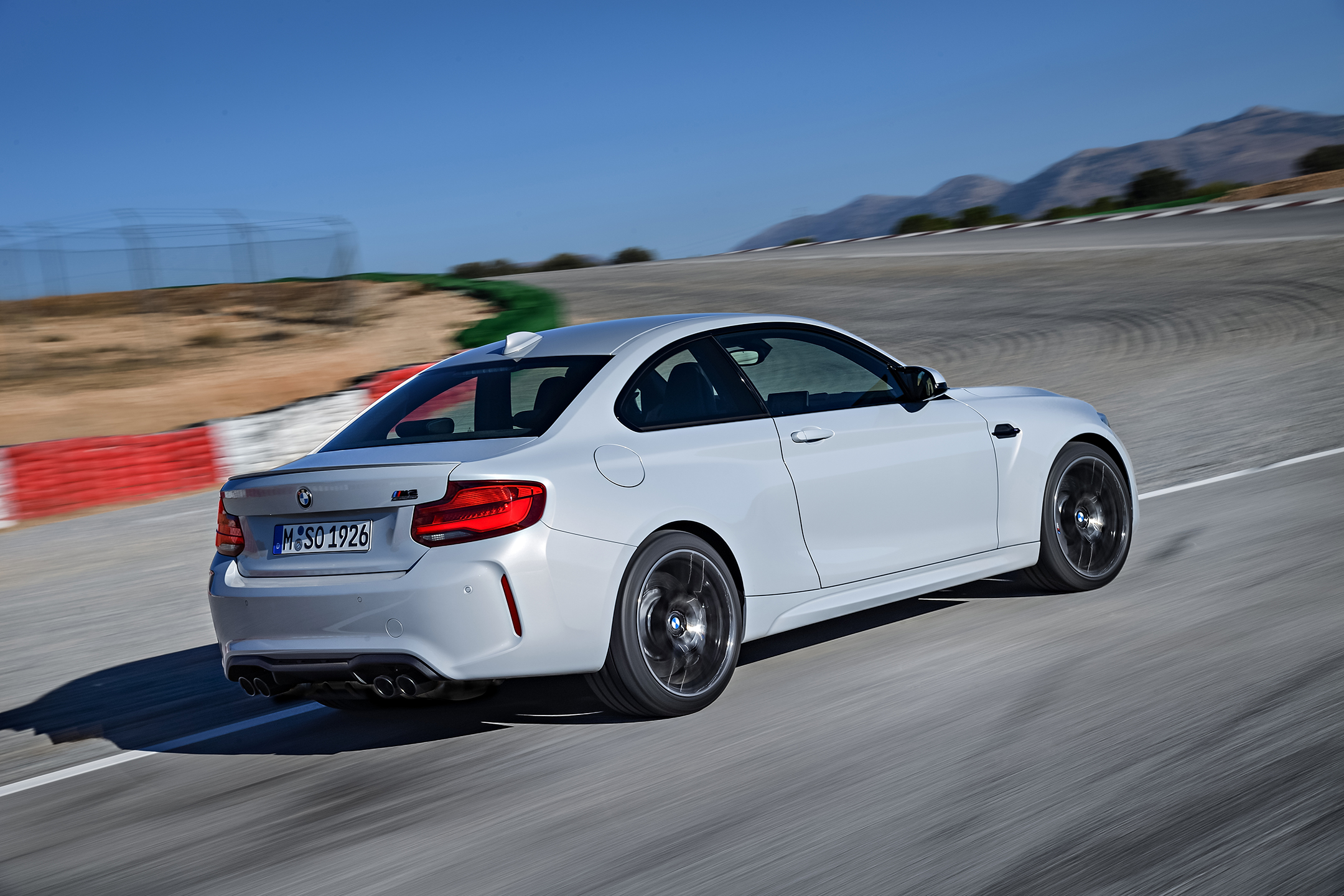 BMW M2 Competition - 2018 - rear track