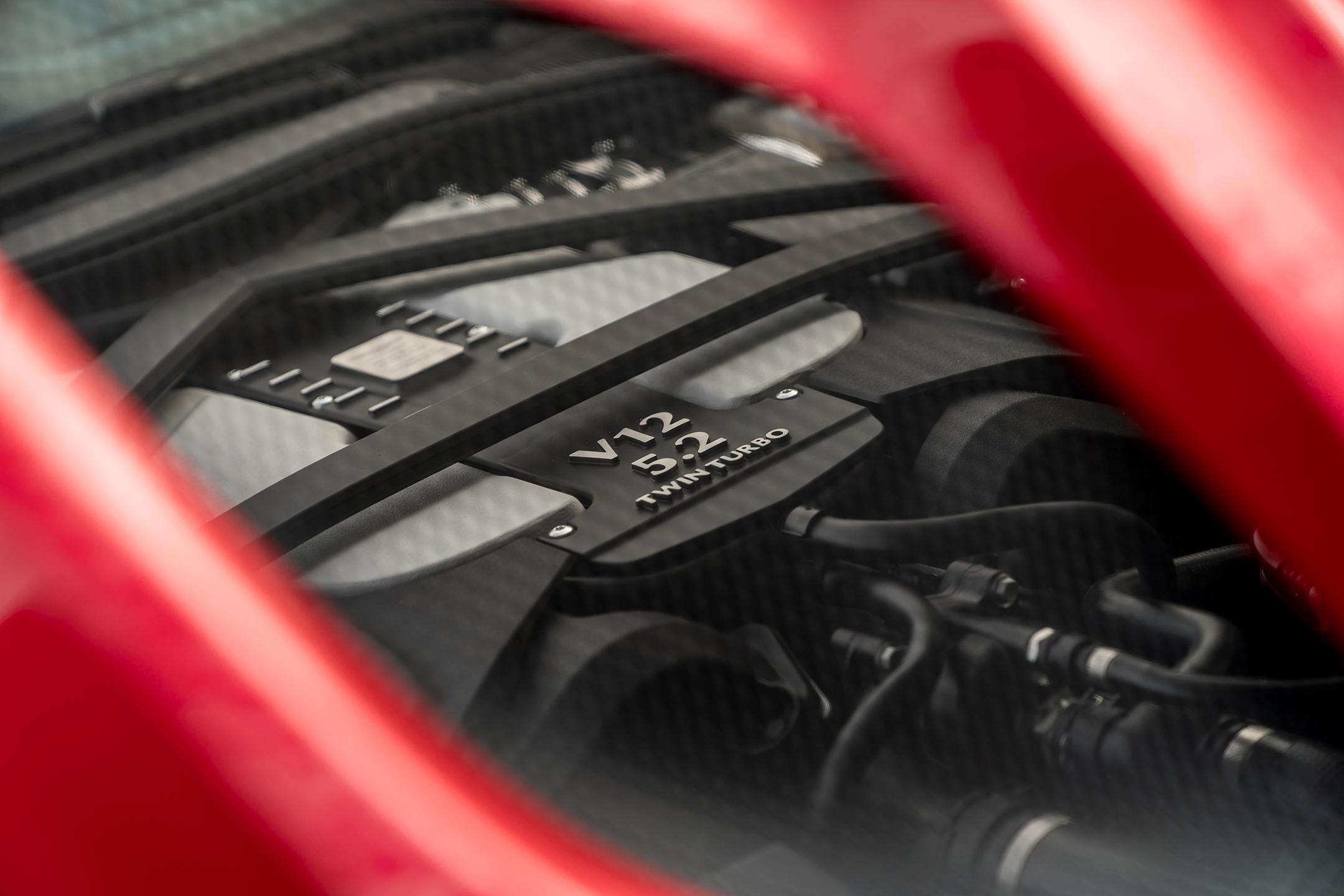 Aston Martin DBS Superleggera - 2018 - preview - V12 - engine / moteur