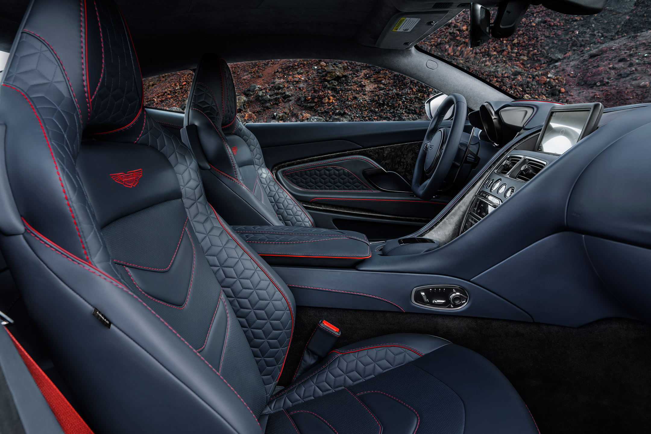 Aston Martin DBS Superleggera - 2018 - seats / sièges