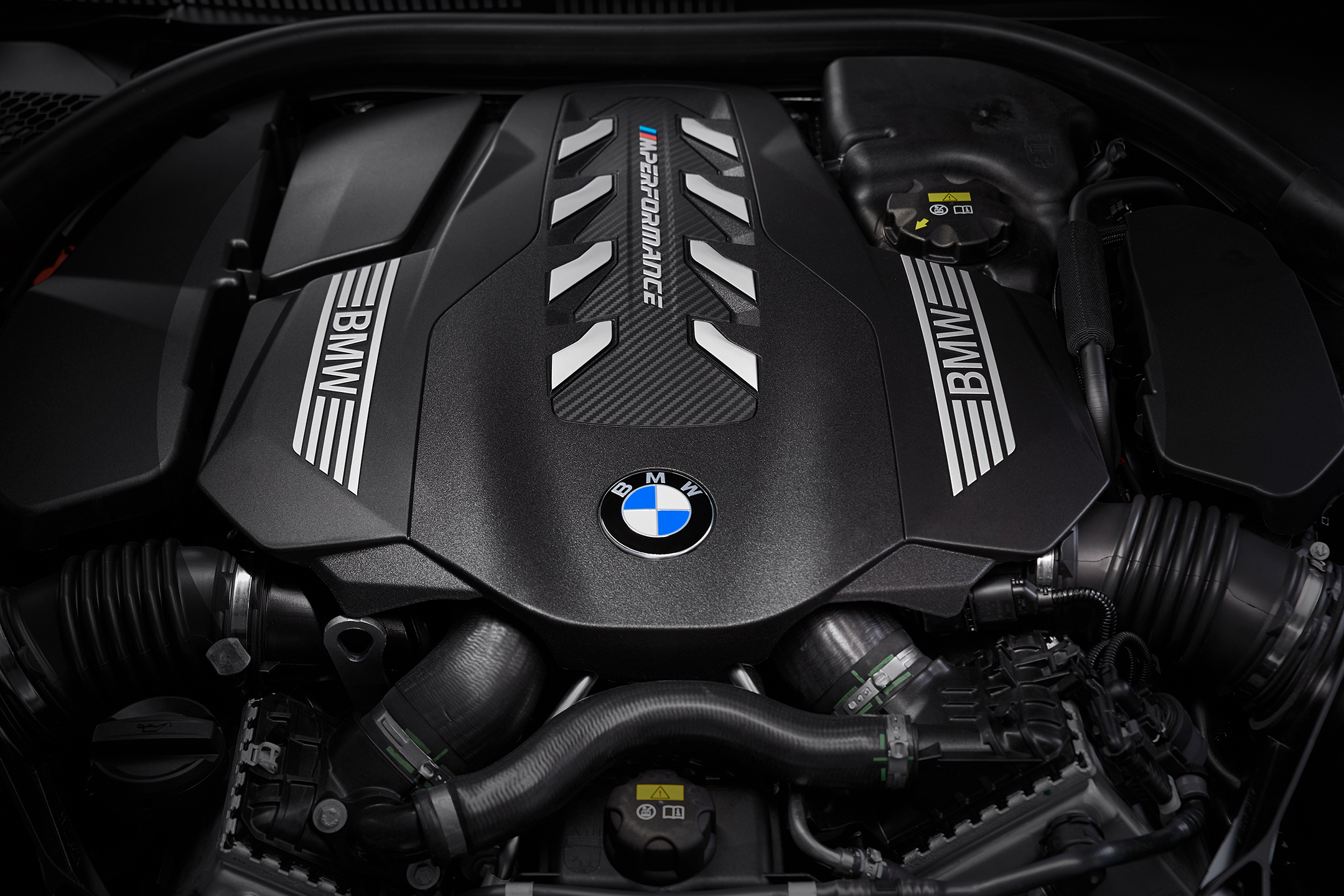 BMW 8 Series Coupe - 2018 - engine / moteur - 4.4L V8 Twin Turbo