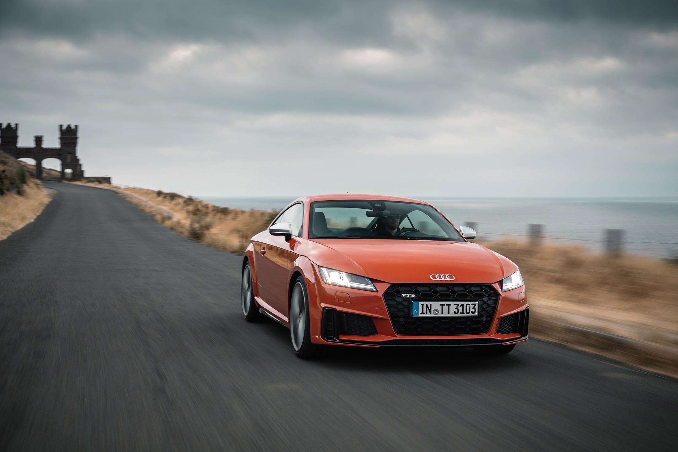 Audi TTS - 2018 - front road