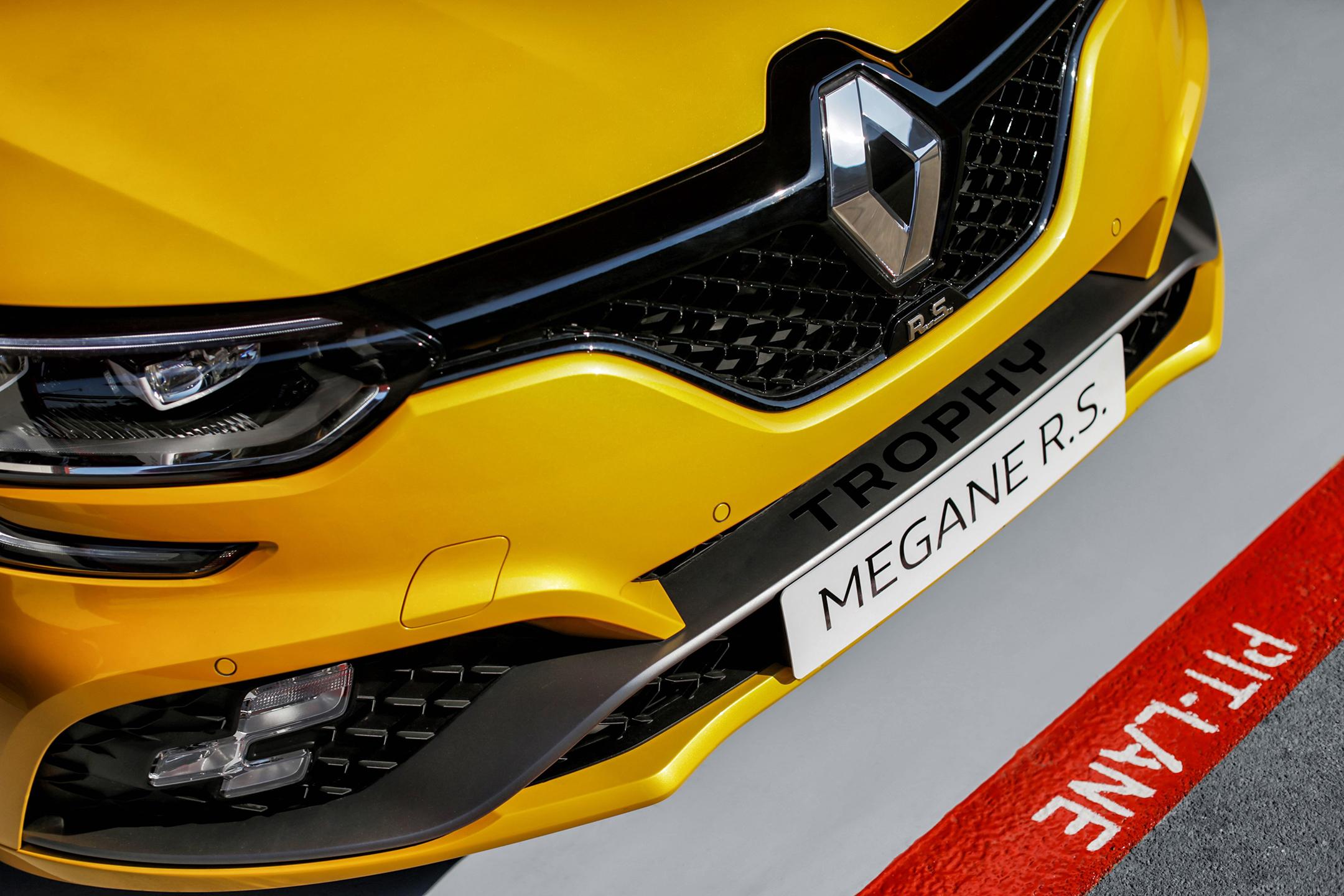 Renault Megane R.S. Trophy - 2018 - front zoom