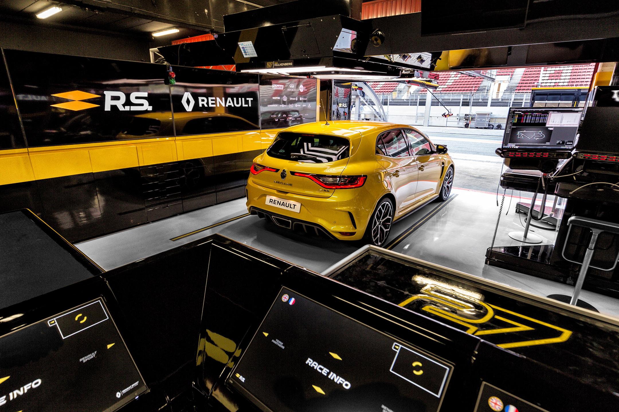 Renault Megane R.S. Trophy - 2018 - rear pit