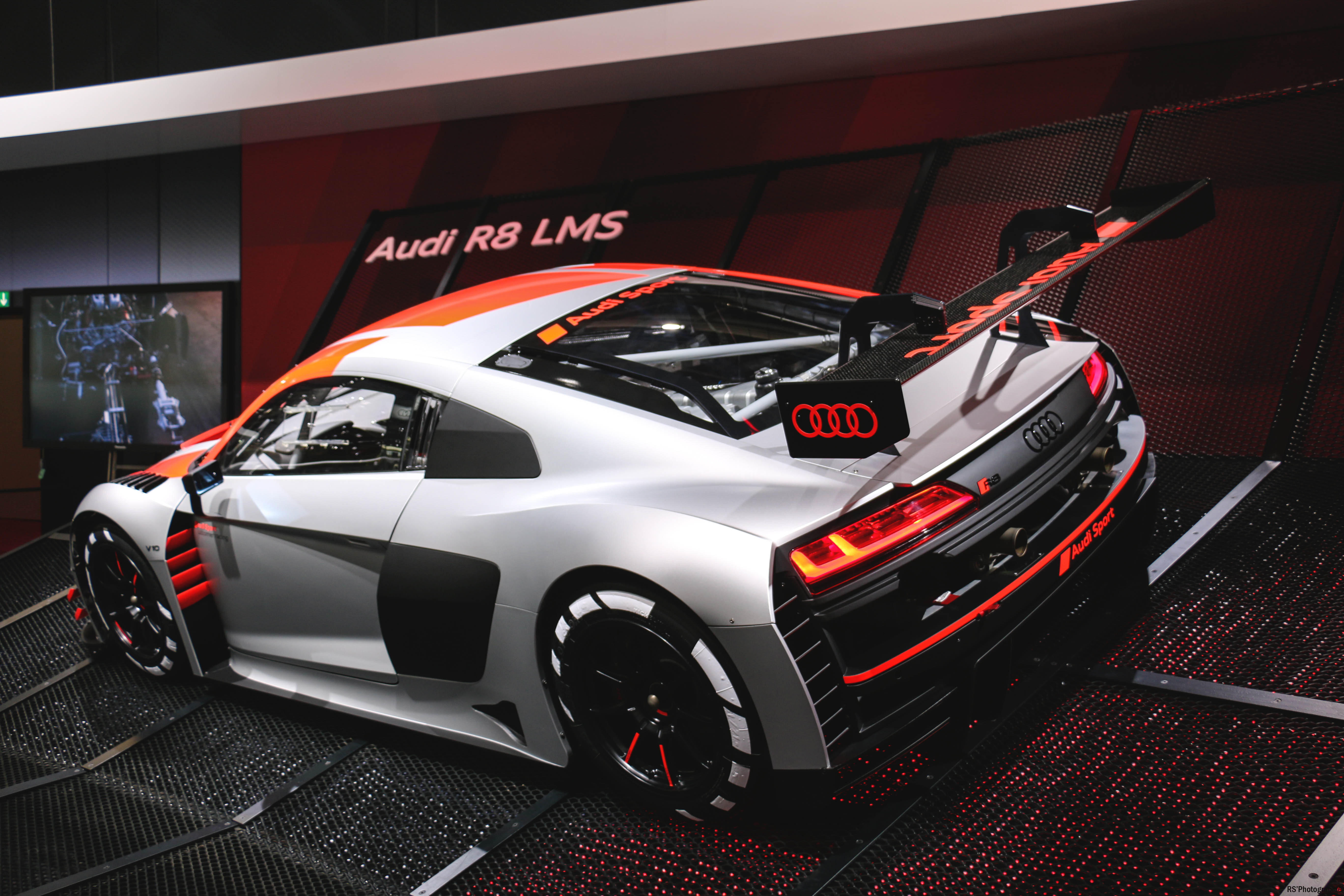 Audi Sport R8 LMS - rear - Paris Motor Show - 2018 - Mondial Auto - photo by Arnaud Demasier RS Photographie
