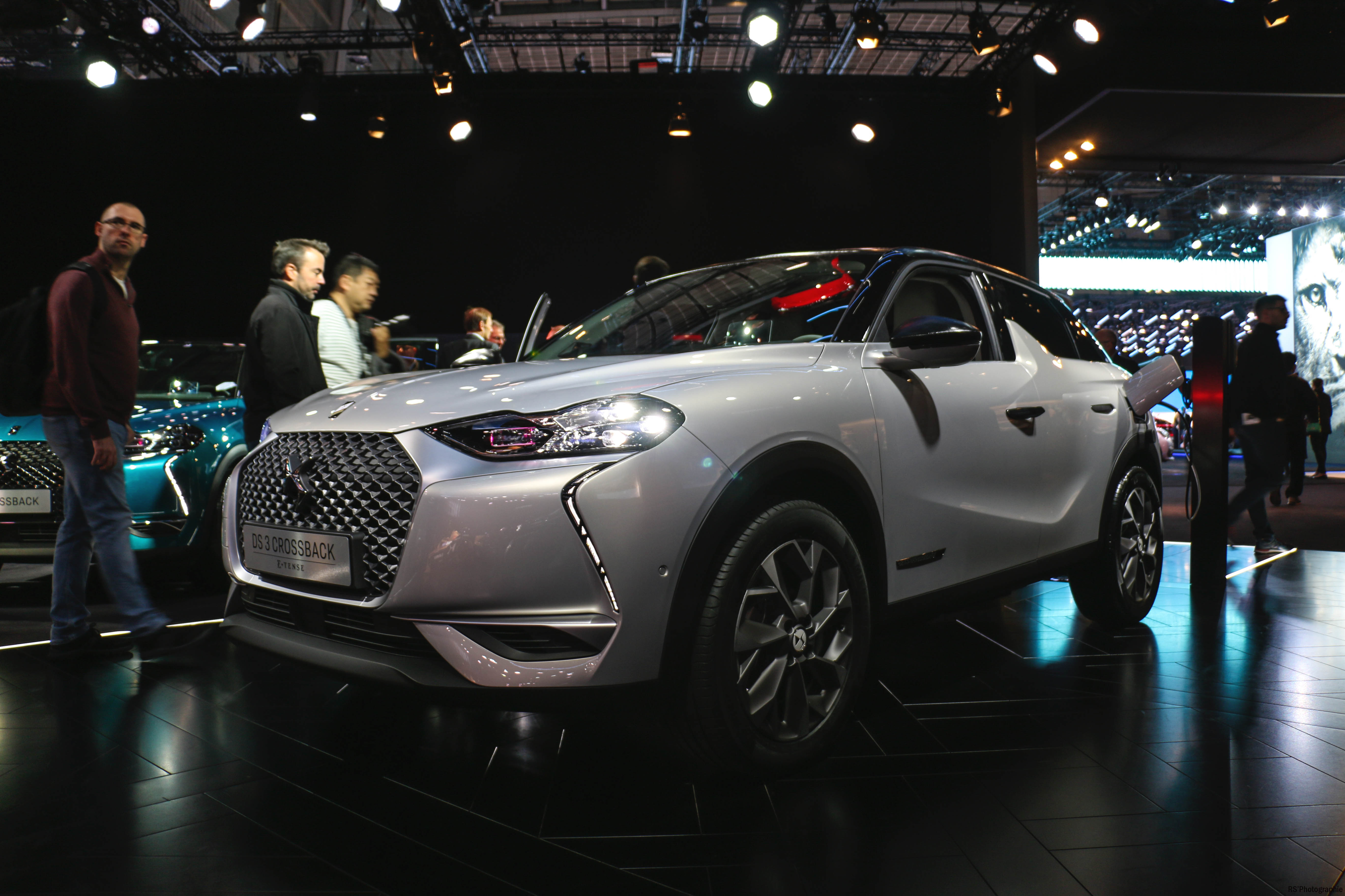 DS 3 Crossback E-Tense - side view - Paris Motor Show - 2018 - Mondial Auto - photo by Arnaud Demasier RS Photographie