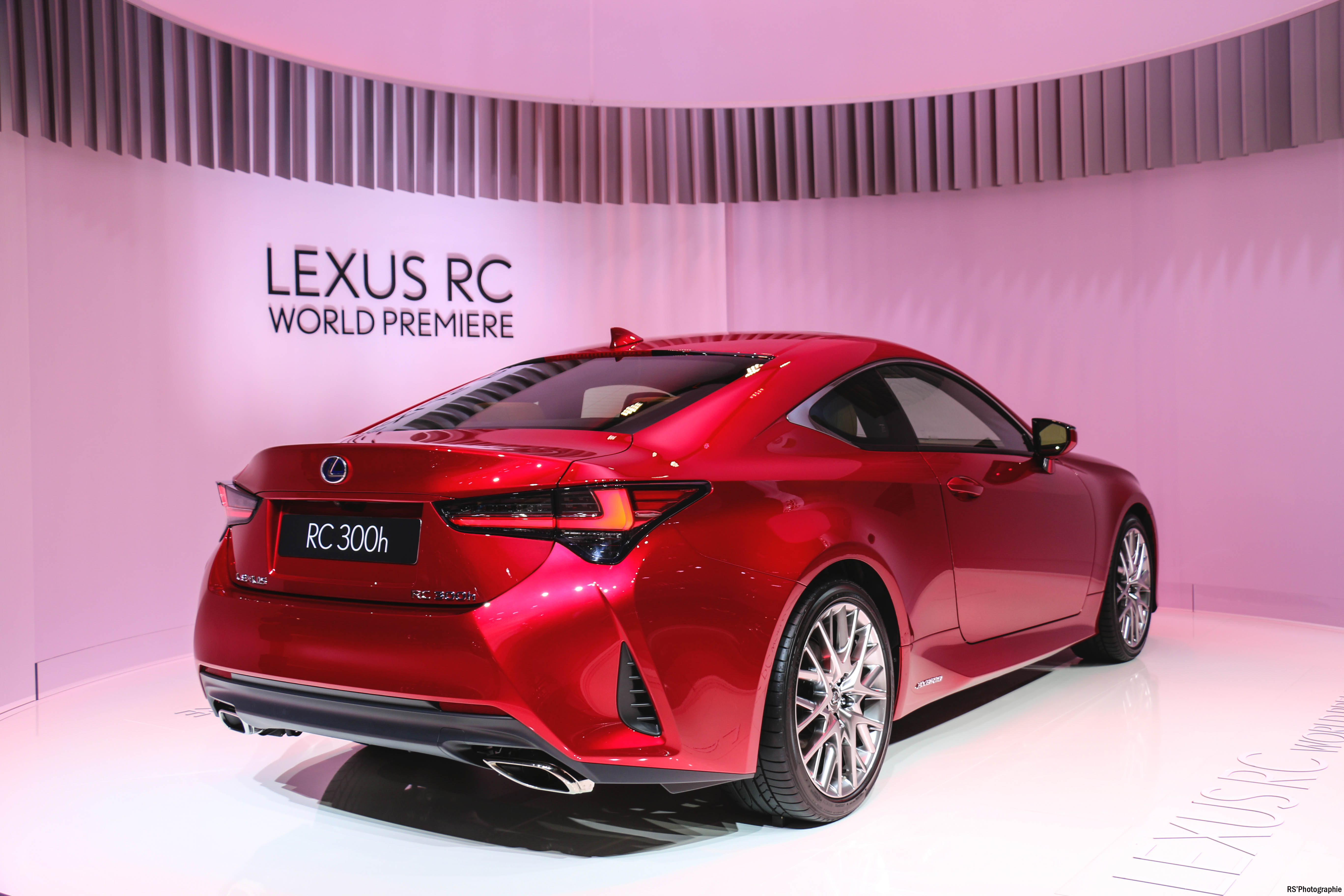 Lexus RC 300h - rear - Paris Motor Show - 2018 - Mondial Auto - photo by Arnaud Demasier RS Photographie