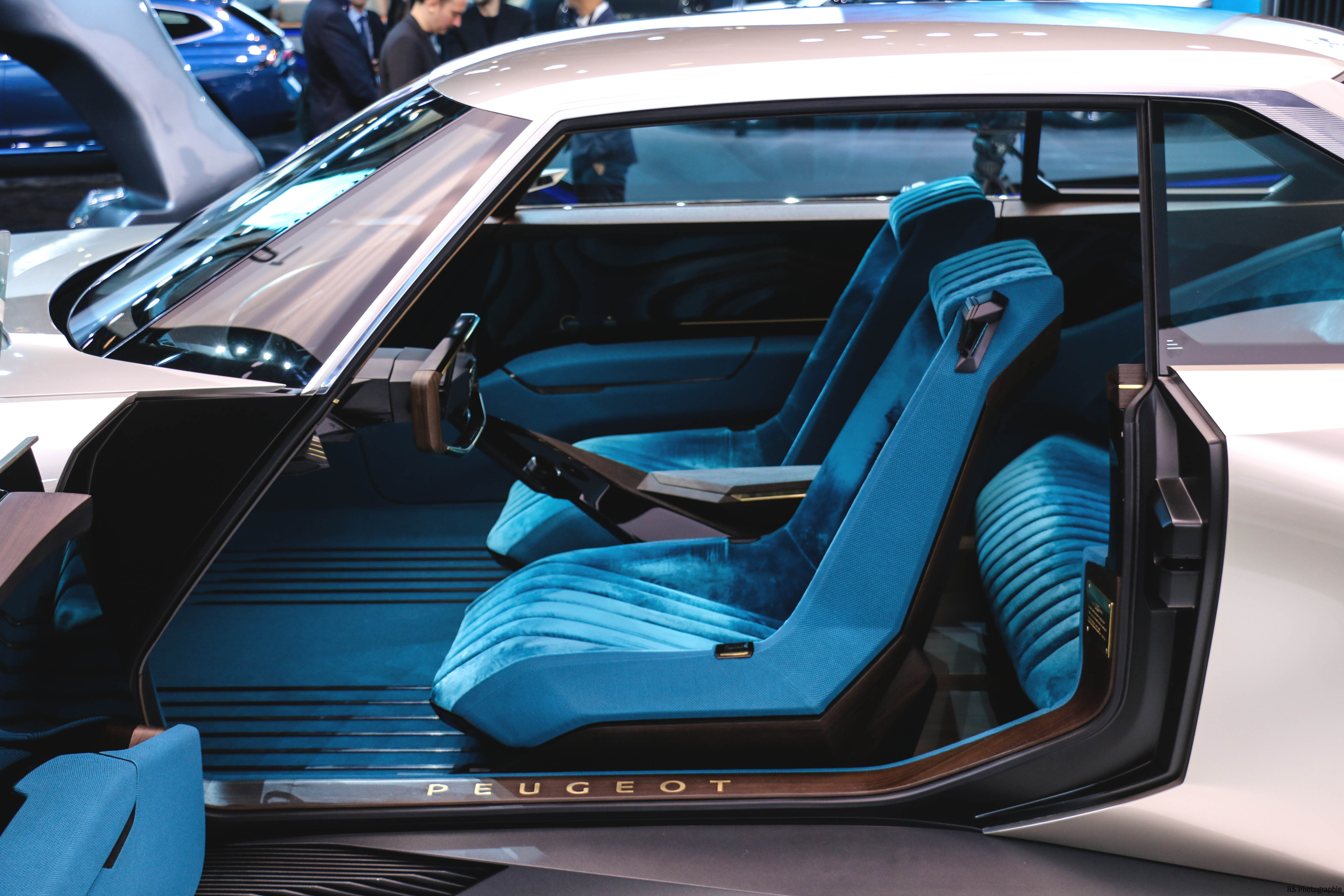 Peugeot eLegend Concept - seats - Paris Motor Show - 2018 - Mondial Auto - photo by Arnaud Demasier RS Photographie