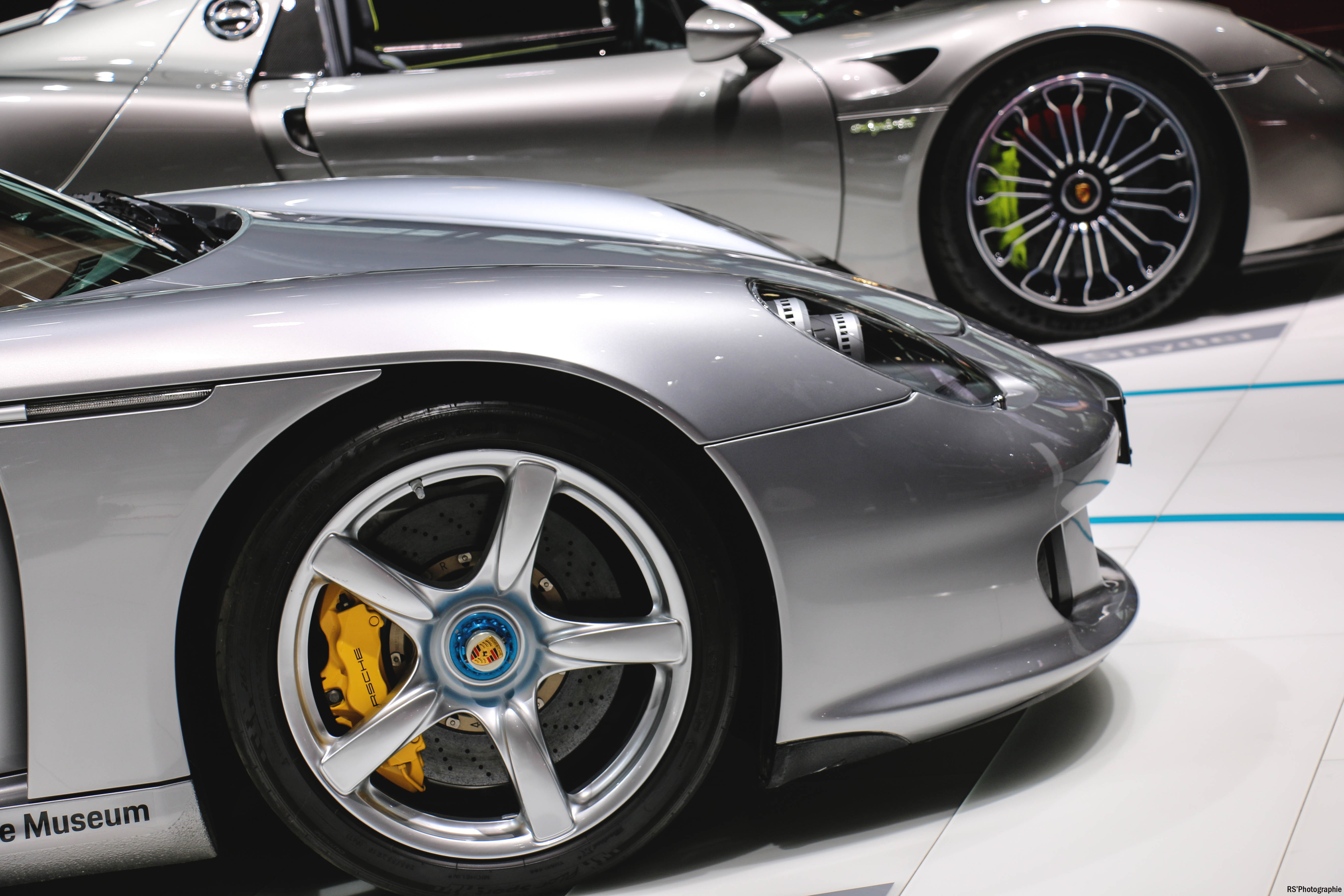 Porsche Carrera GT - front wheel - Paris Motor Show - 2018 - Mondial Auto - photo by Arnaud Demasier RS Photographie