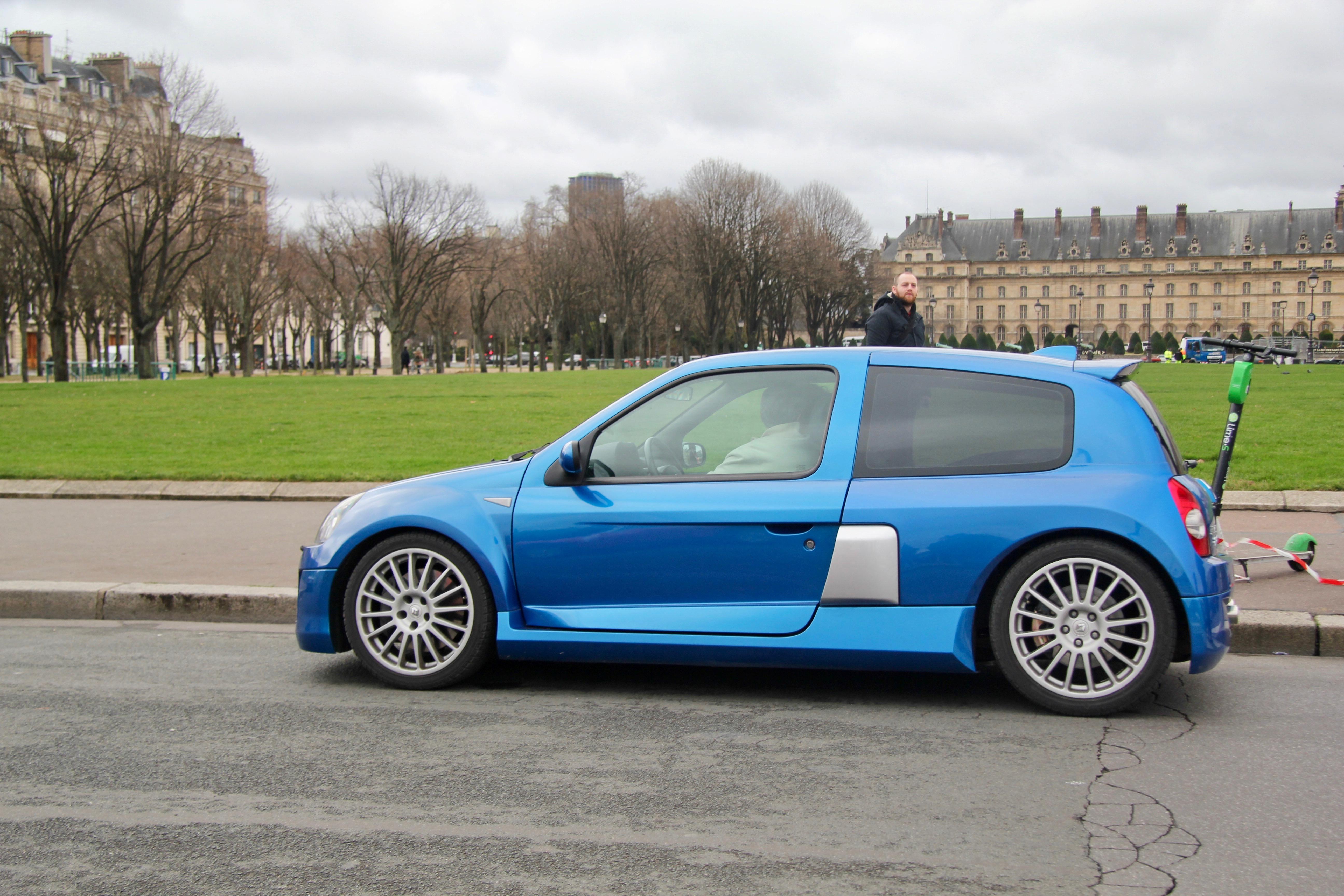 Renault Clio V6 - Traversée de Paris Hivernale 2019 - photo Ludo Ferrari