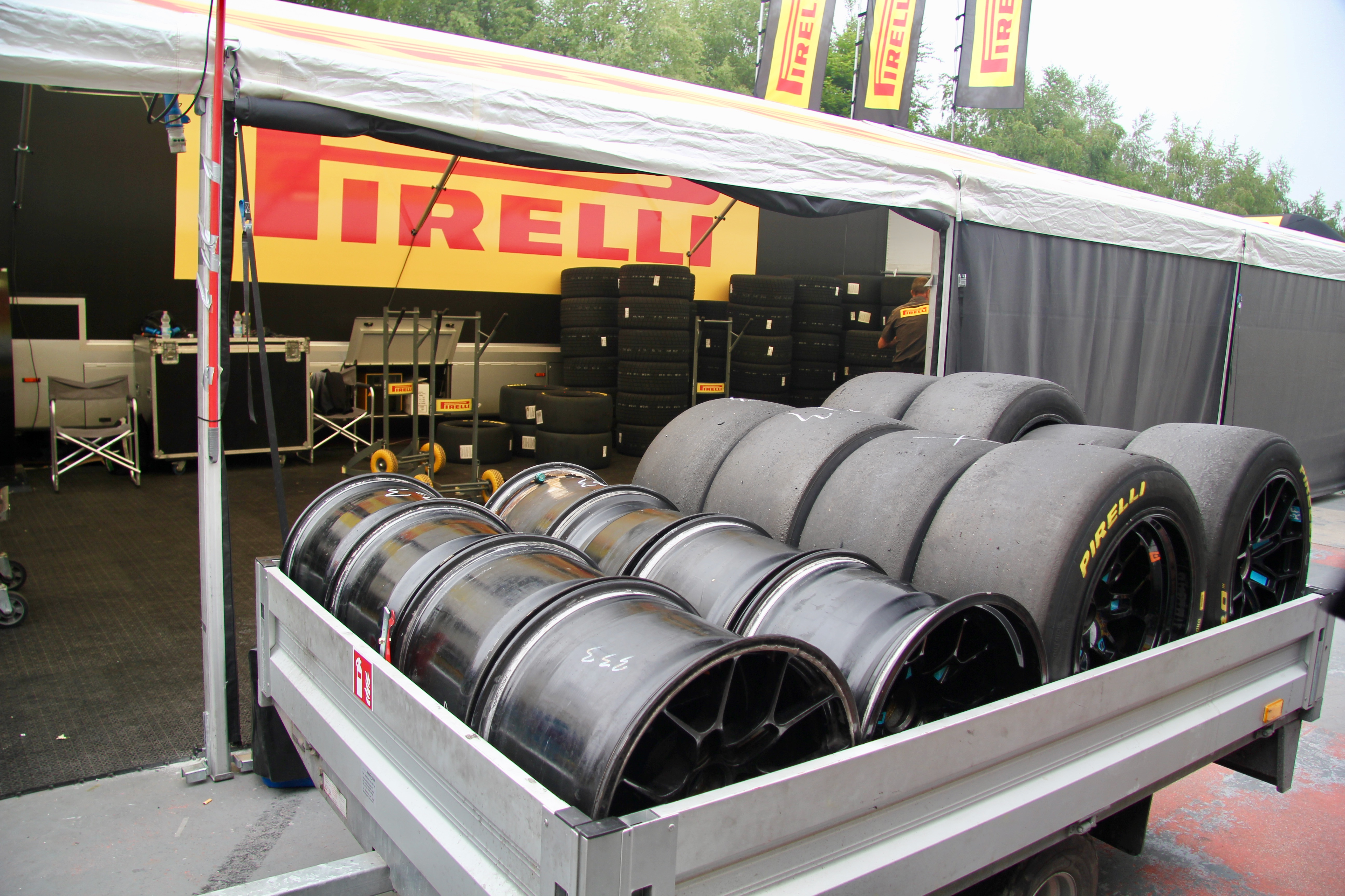 Pirelli - behind the scene / coulisse - Total 24 Heures de Spa 2019 - photo Ludo Ferrari