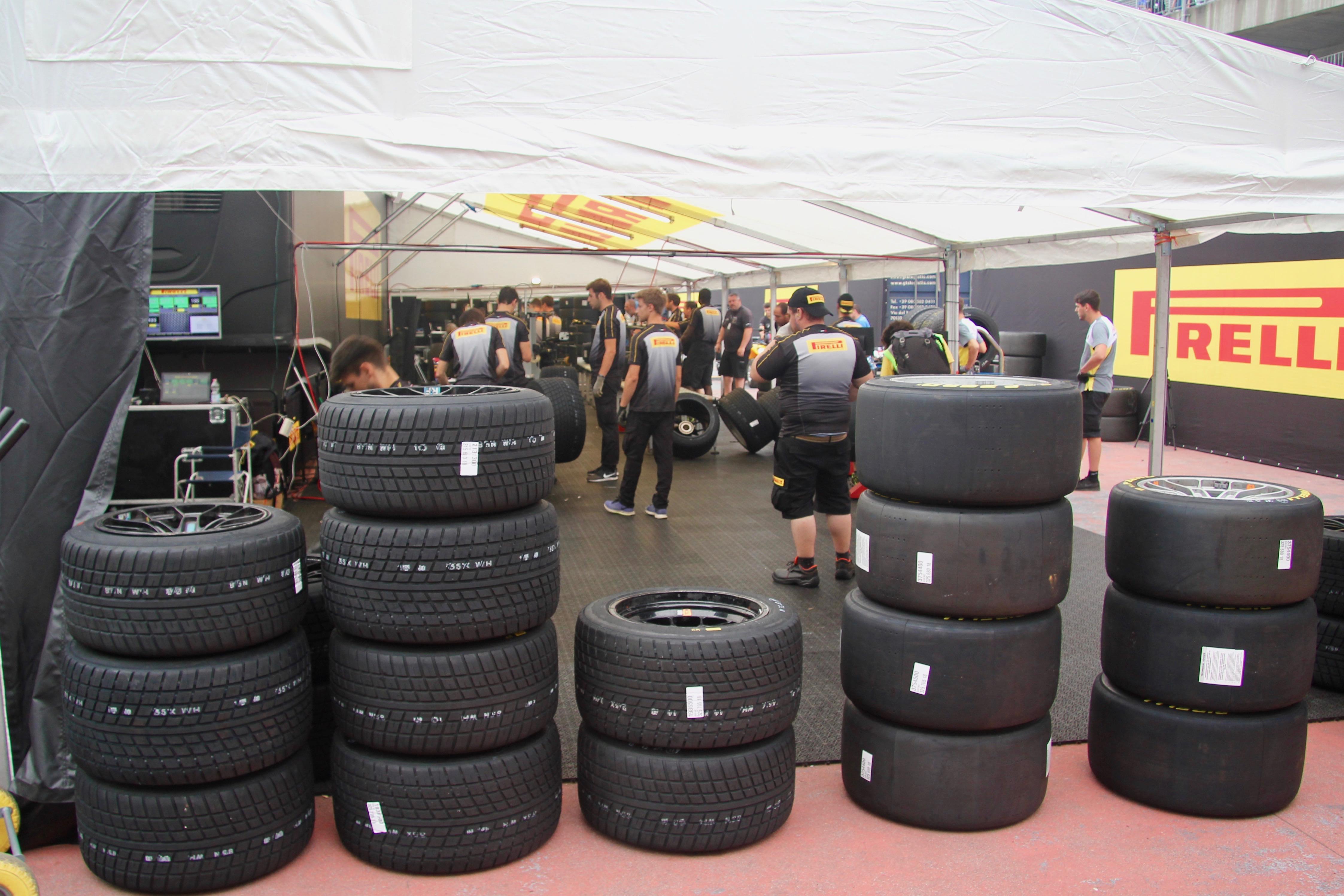 Pirelli - slick tyres and rain tyres / pneus slick et pneus pluie - Total 24 Heures de Spa 2019 - photo Ludo Ferrari