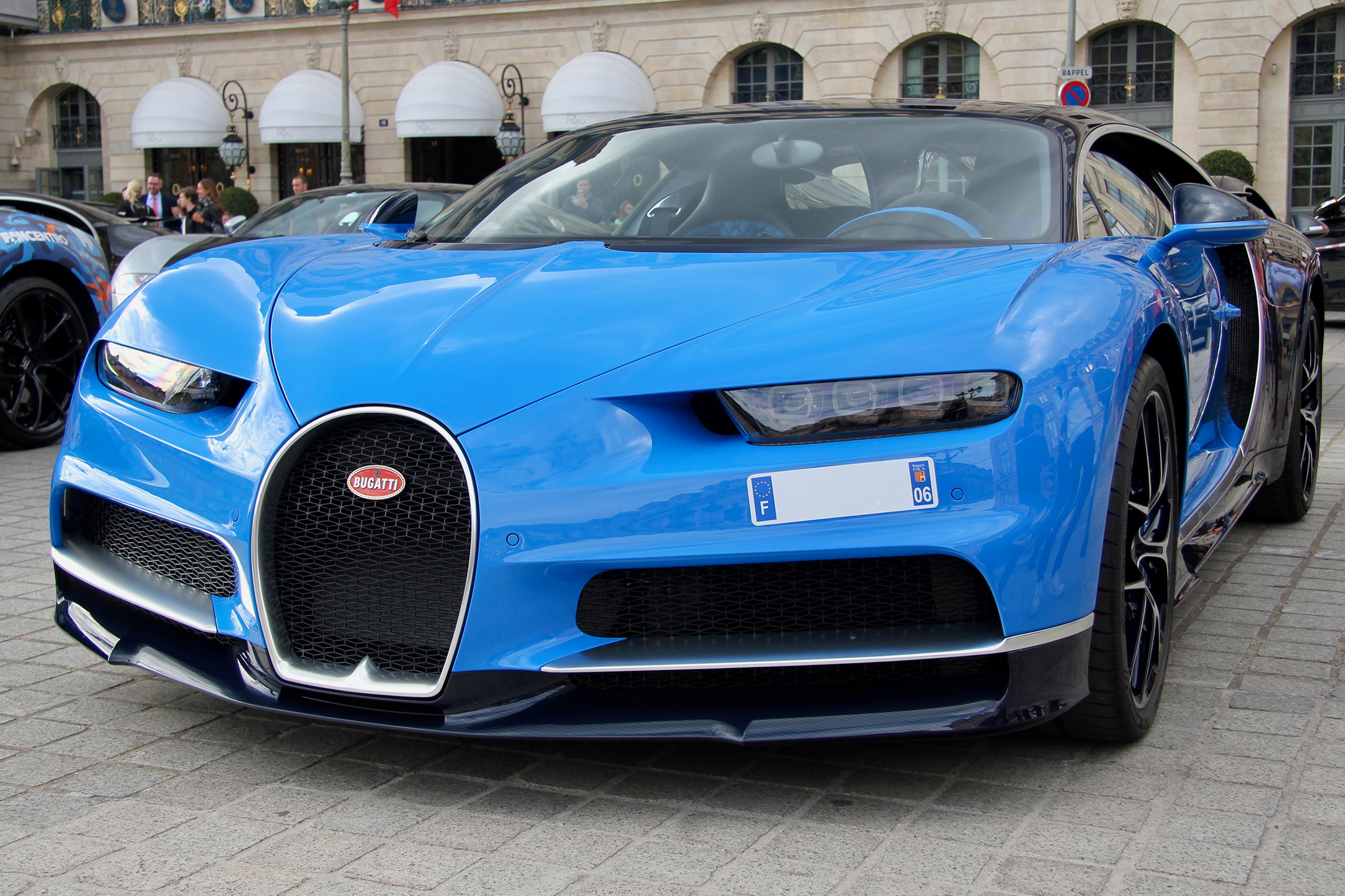 Bugatti Automobiles - bleue livery - Grand Tour 2019 - Paris - photo Ludo Ferrari