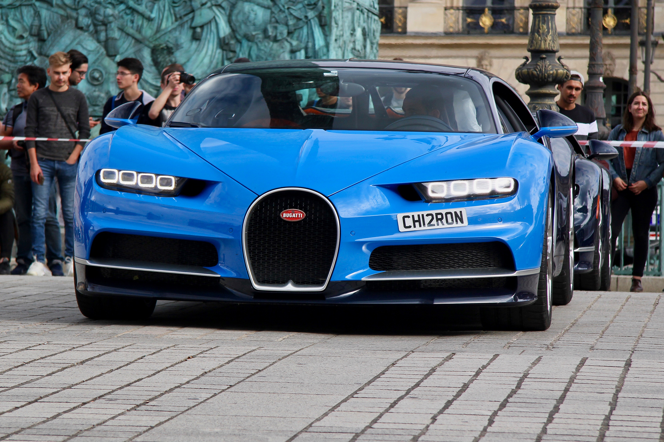 Bugatti Automobiles - bleue livery front-face - Grand Tour 2019 - Paris - photo Ludo Ferrari