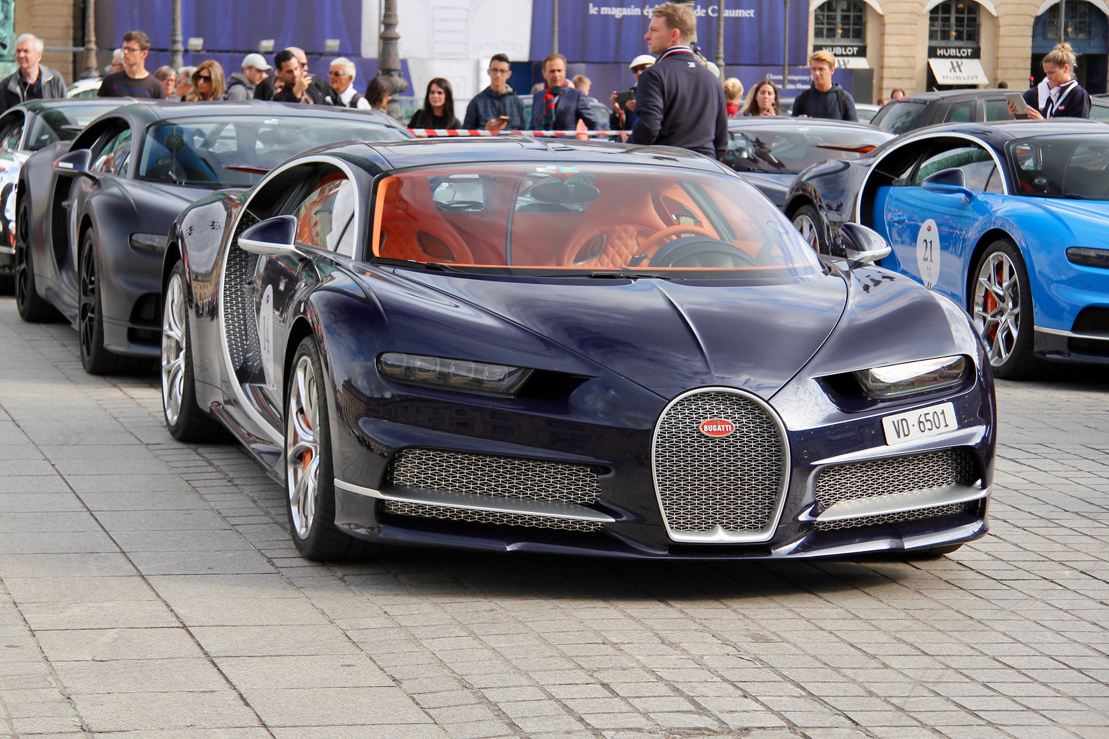 Bugatti Automobiles - dark blue livery - Grand Tour 2019 - Paris - photo Ludo Ferrari