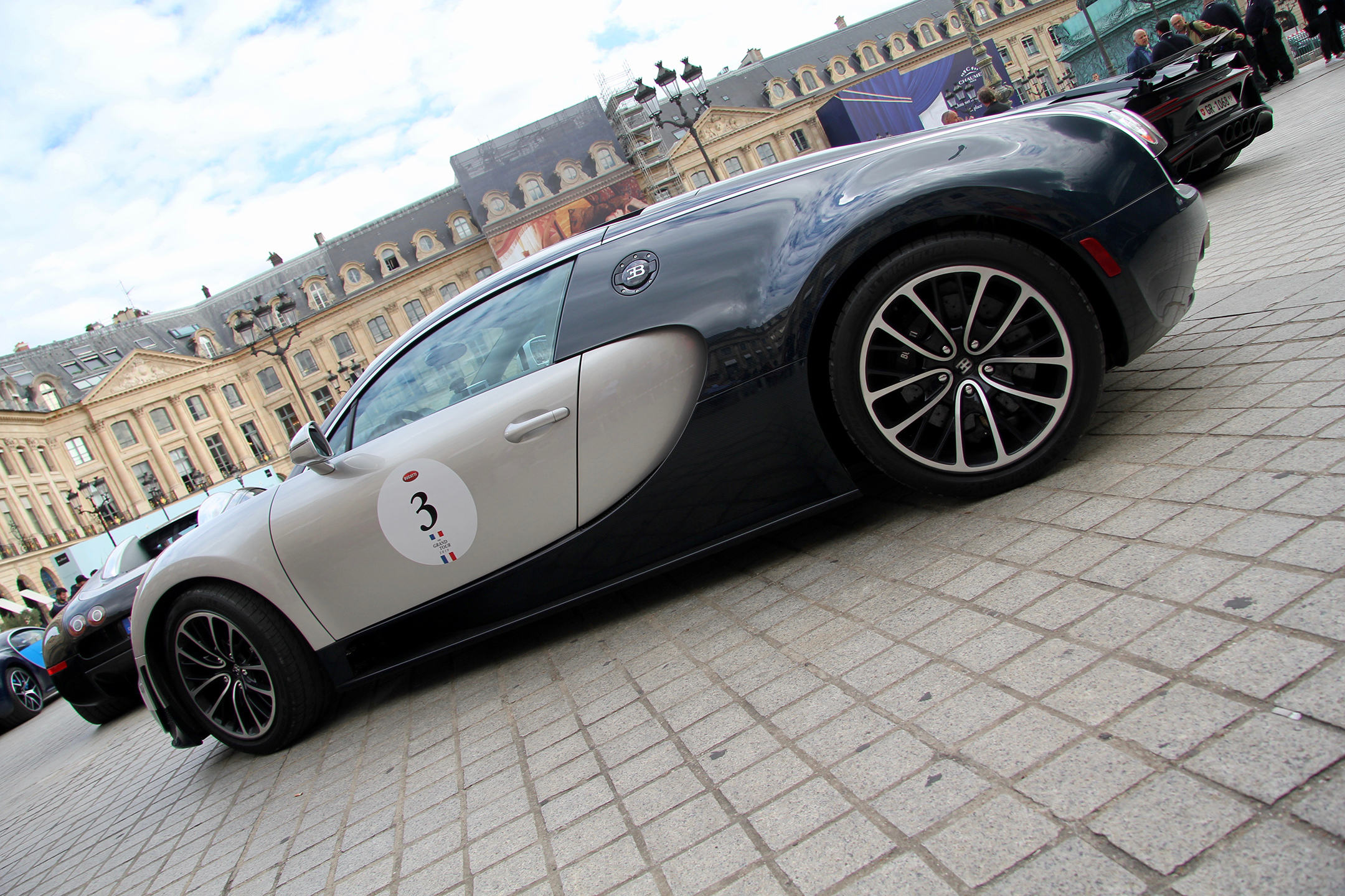 Bugatti Automobiles - grey livery - Grand Tour 2019 - Paris - photo Ludo Ferrari
