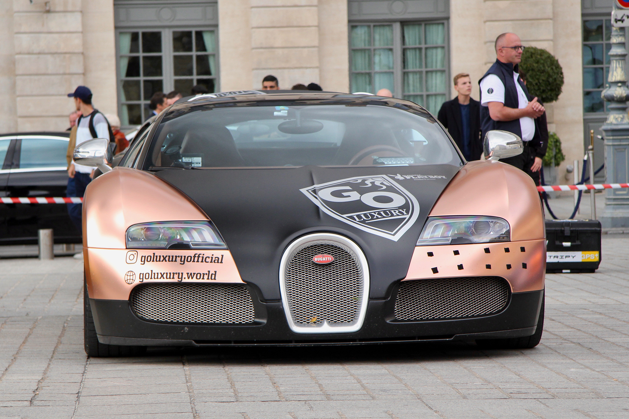Bugatti Automobiles - Go Luxury livery front-face - Grand Tour 2019 - Paris - photo Ludo Ferrari