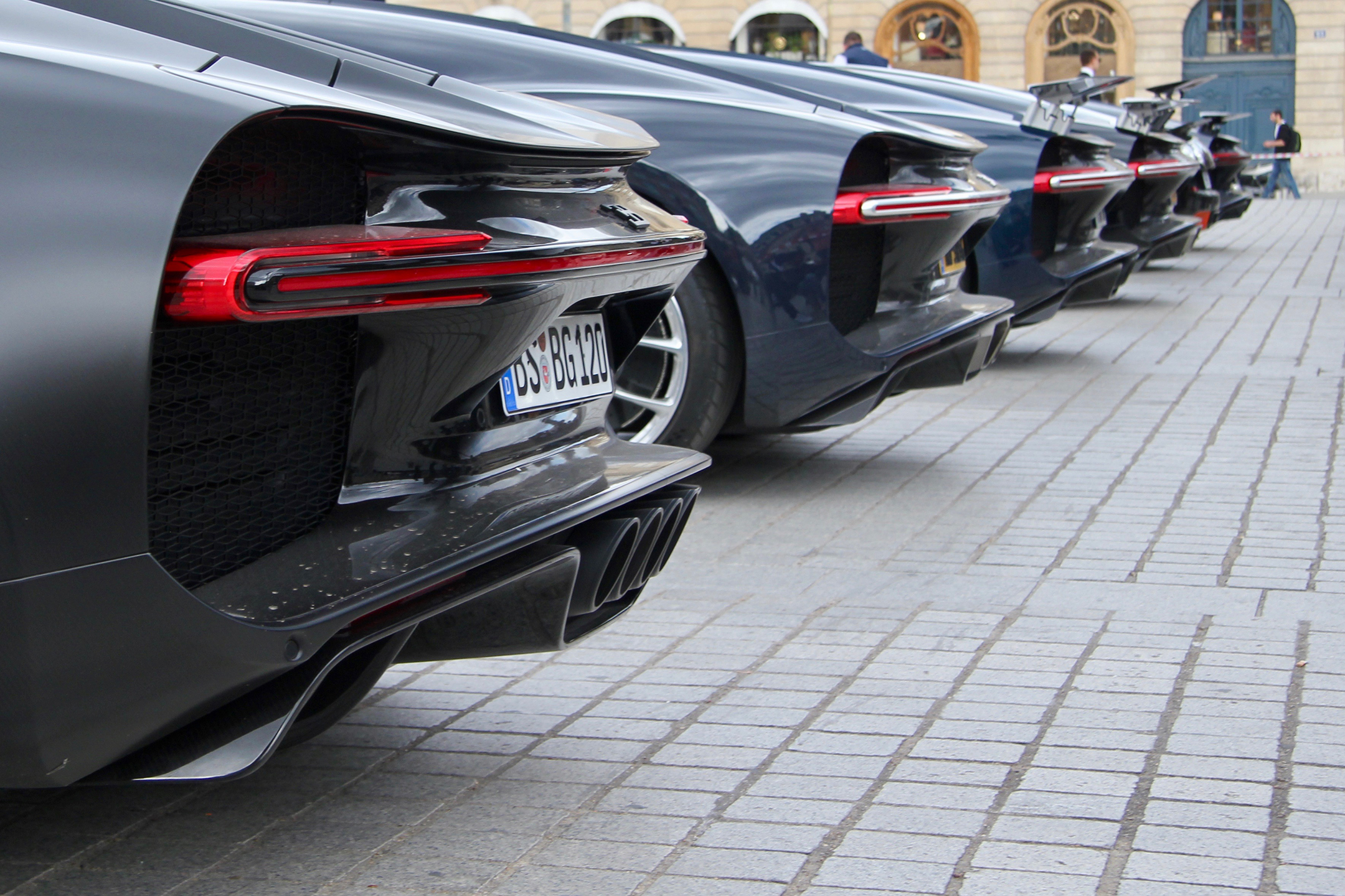 Bugatti Automobiles - rear wing parking - Grand Tour 2019 - Paris - photo Ludo Ferrari
