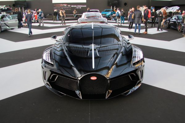 Bugatti La Voiture Noire - front face / face avant - Festival Automobile International - 2020 - exposition Concept Cars - Design Automobile - photo Ludo Ferrari