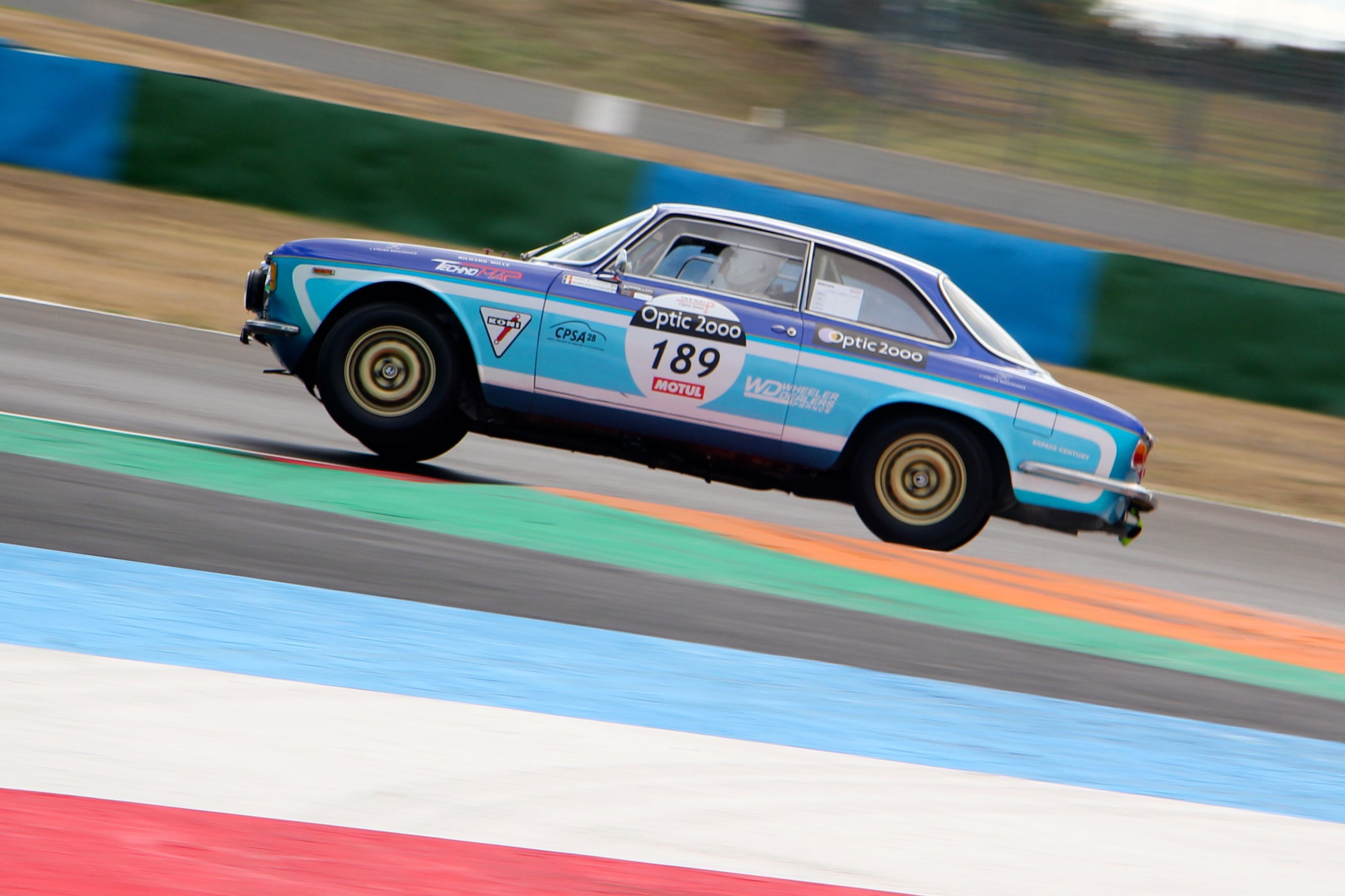 Alfa Romeo Giulia Sprint GT Veloce - circuit de Nevers Magny-Cours - Tour Auto 2020 - photo Ludo Ferrari
