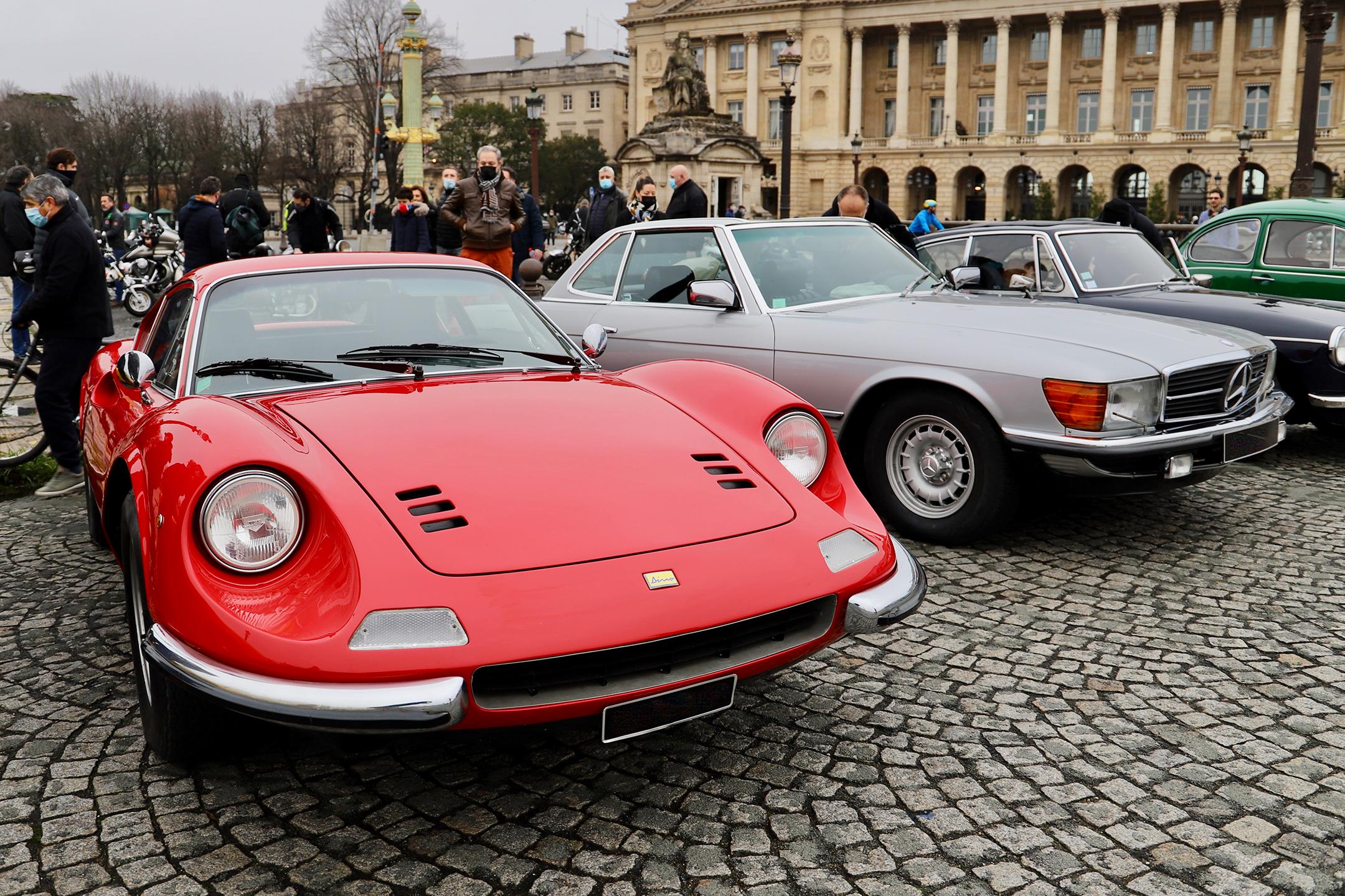 Dino 246 GT - Traversée de Paris Hivernale - 2021 - photo Ludo Ferrari