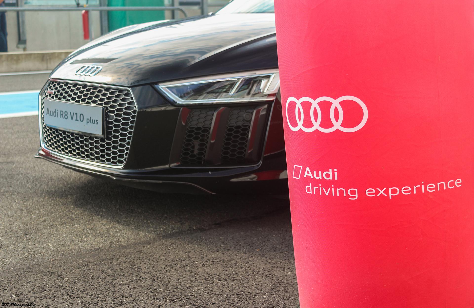 Audi R8 V10 Plus - face avant / front face - photo Arnaud Demasier