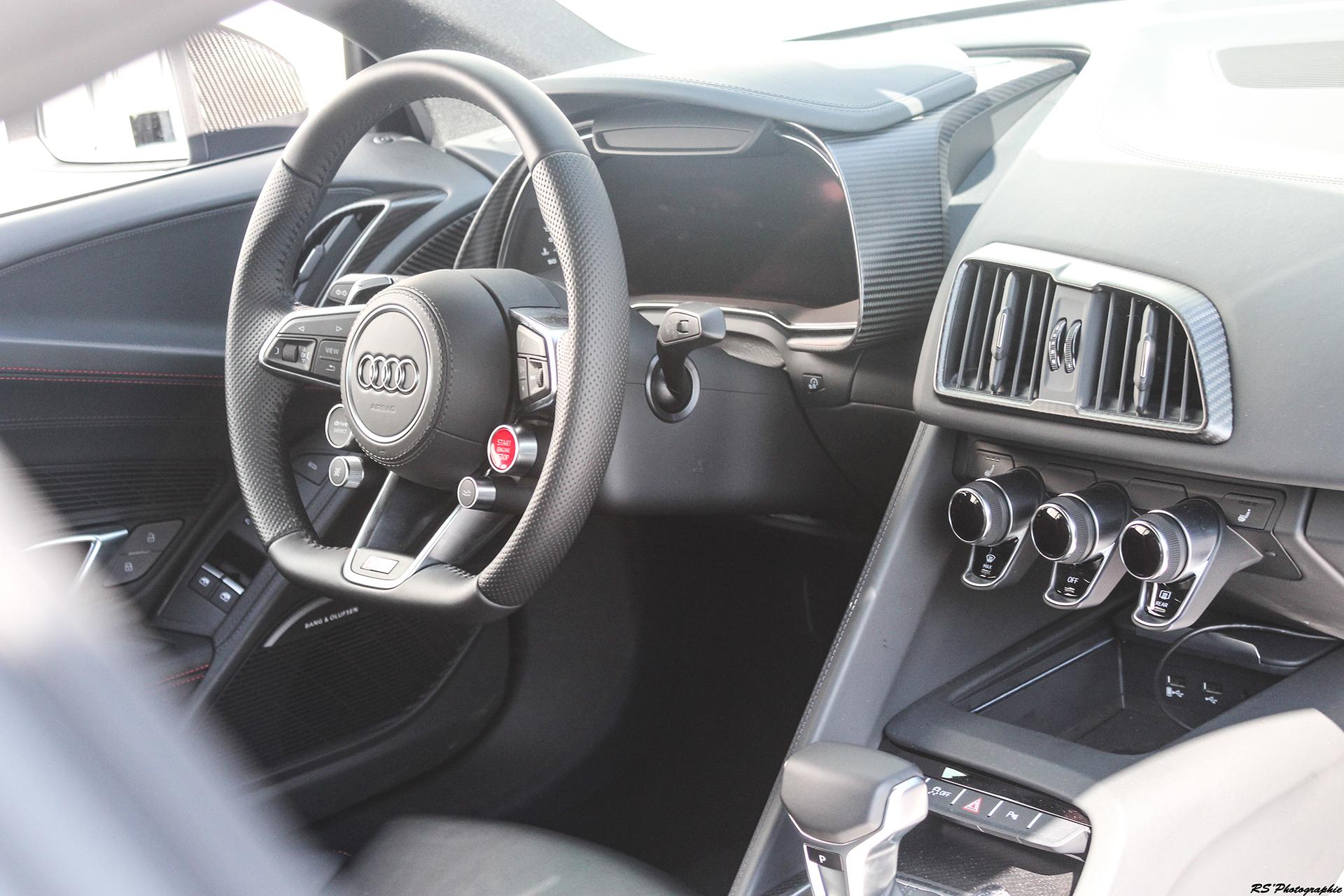 Audi R8 V10 Plus - intérieur / inside - photo Arnaud Demasier