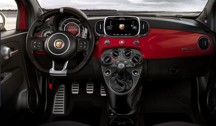 Abarth 595 - intérieur / inside - photo configurateur abarth.com