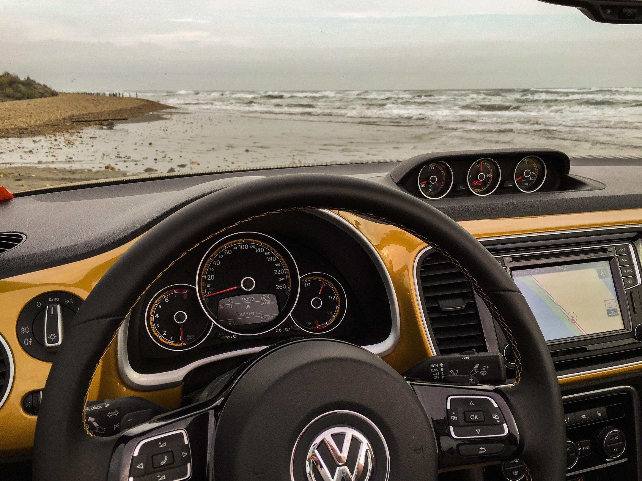 vwcox38-volkswagen-coccinelle-dune-cabriolet-interieur-arnaud-demasier-rsphotographie