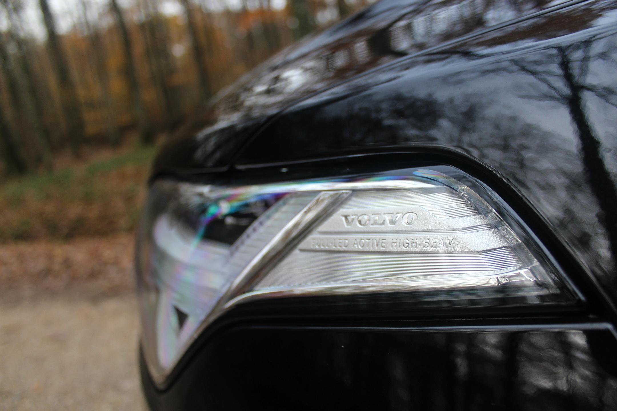 volvoXC90T8Hybrid43-volvo-XC90-T8-Hybrid-headlight-phare-arnaud-demasier-rsphotographie