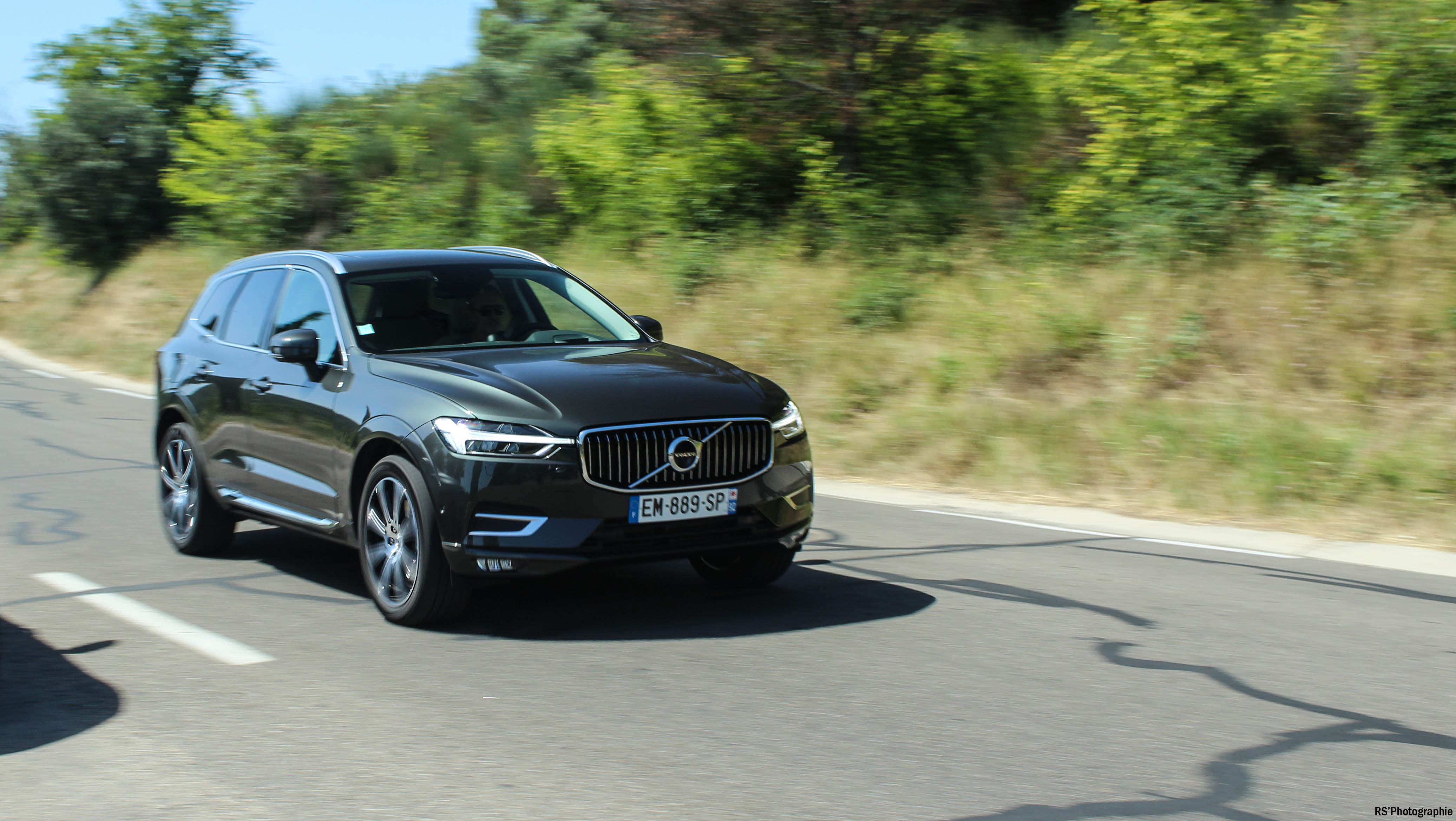 OpéVolvo5-volvo-xc60-avant-front-Arnaud Demasier-RSPhotographie