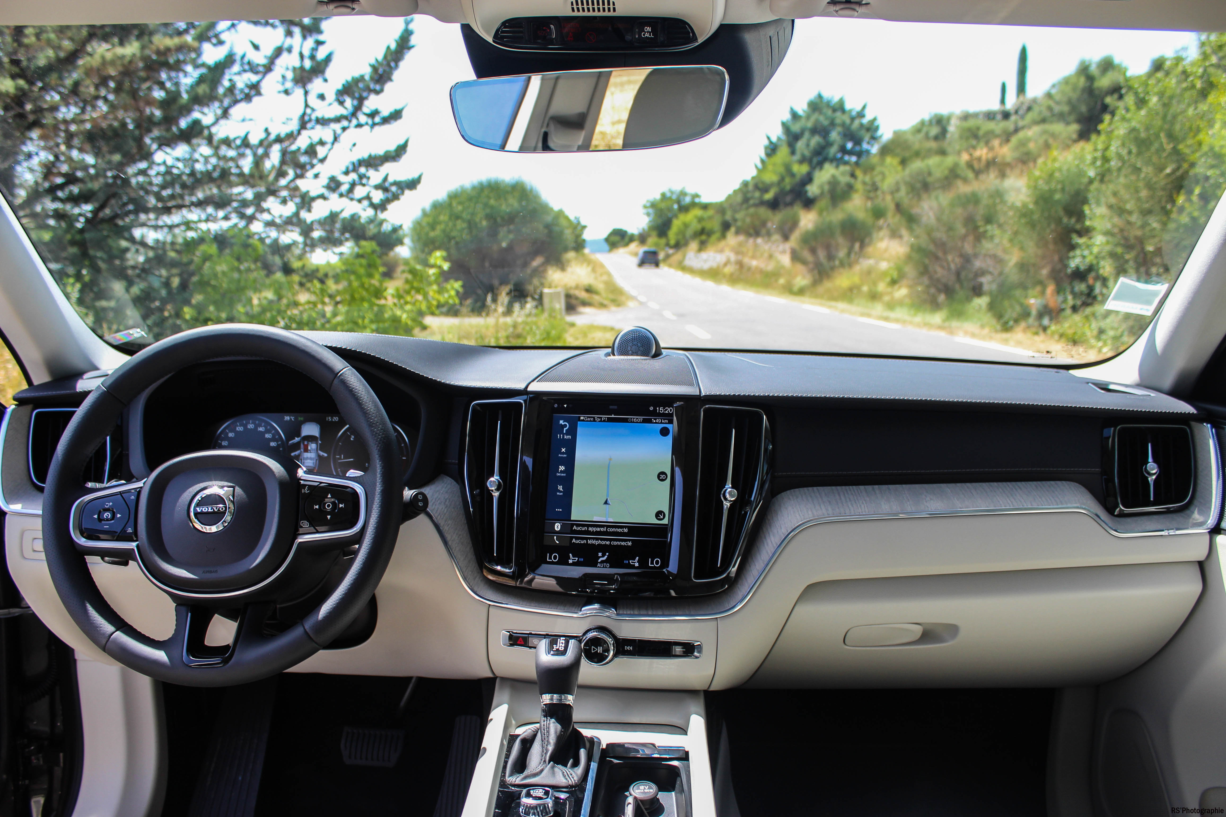 https://gotmdm.com/driving/wp-content/uploads/sites/8/2017/07/Op%C3%A9Volvo71-volvo-xc60-int%C3%A9rieur-onboard-Arnaud-Demasier-RSPhotographie.jpg