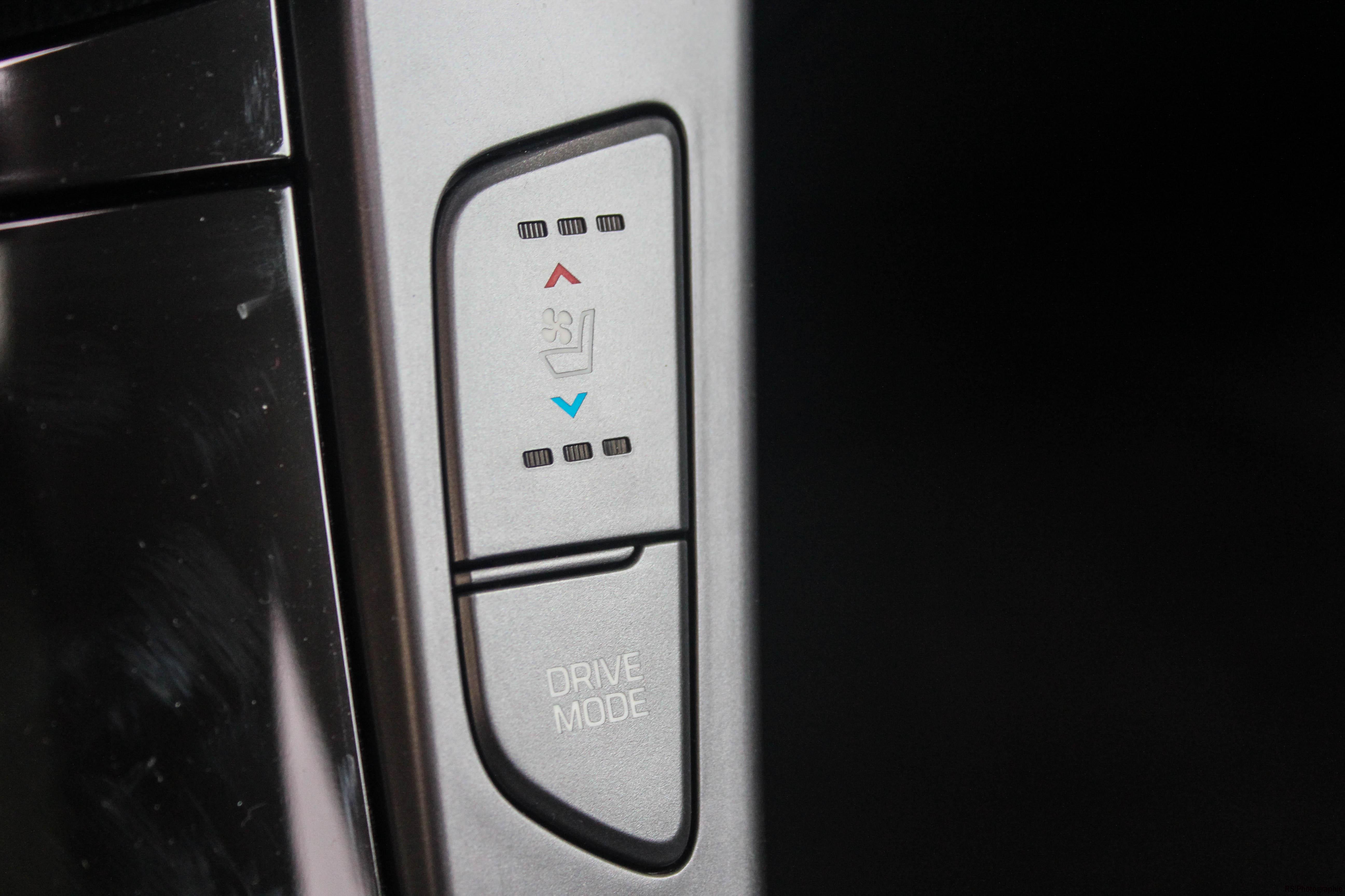 Hyundaii40SW22-hyundai-i40-sw-intérieur-onboard-arnaud-demasier-RSPhotographie