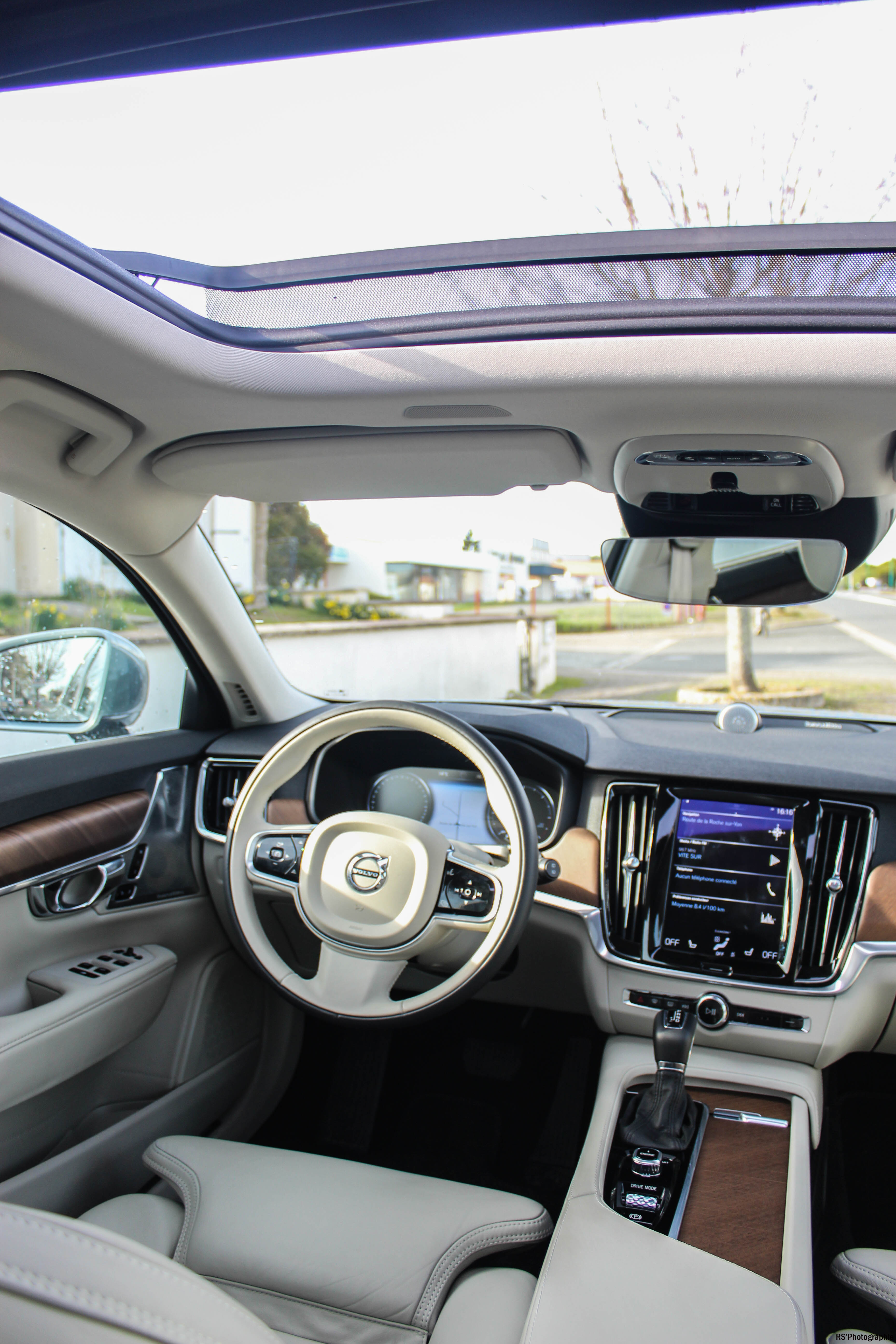VolvoV907-volvo-v90-d5-intérieur-onboard-arnaud-demasier-RSPhotographie