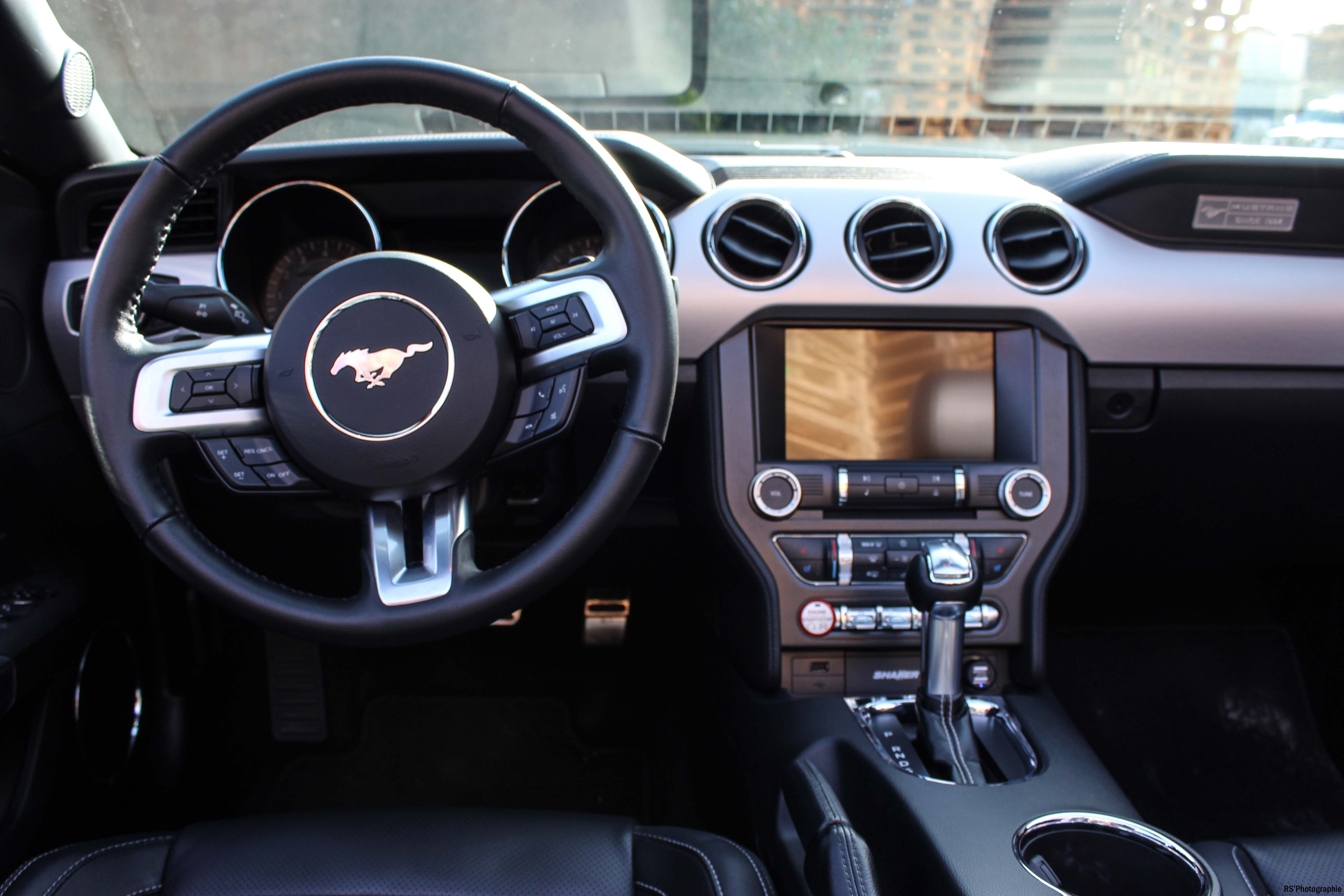 fordmustangeconvertible13-ford-mustang-convertible-ecoboost-intérieur-onboard-Arnaud Demasier-RSPhotographie