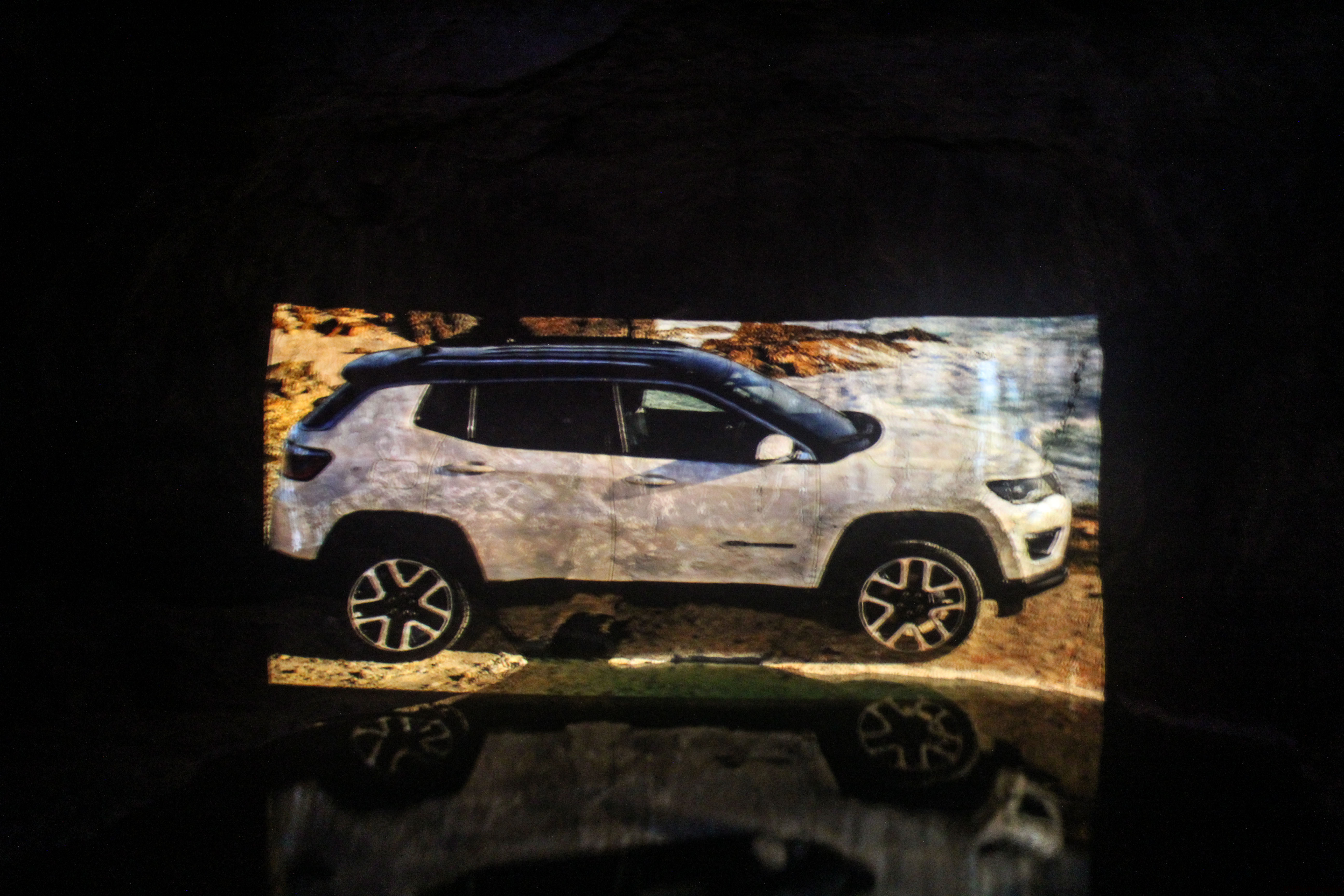 jeepcompass18-jeep-compass-grotte-Arnaud Demasier-RSPhotographie