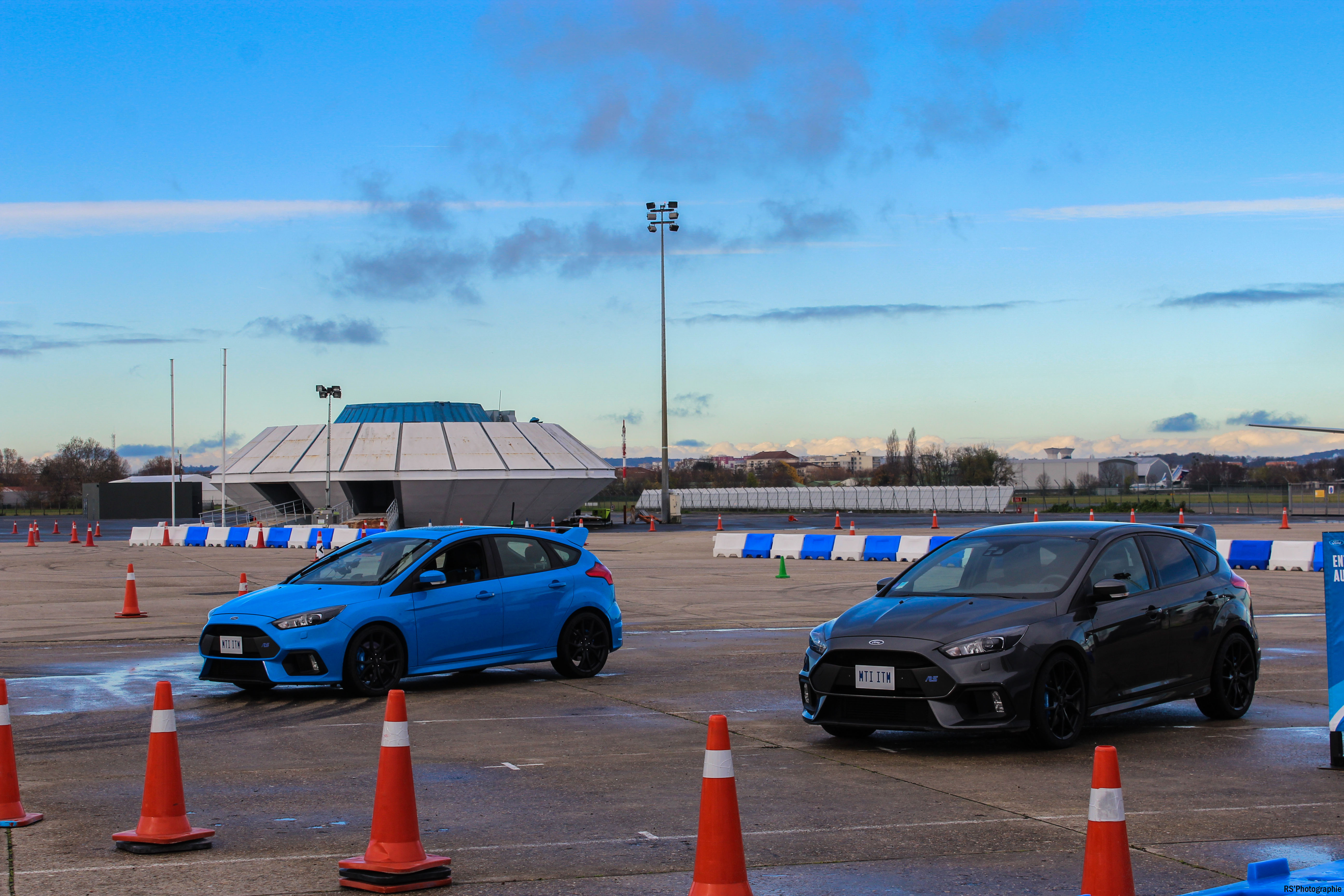 gofaster5-opération-go-faster-ford-focus-rs-avant-front-Arnaud Demasier-RSPhotographie