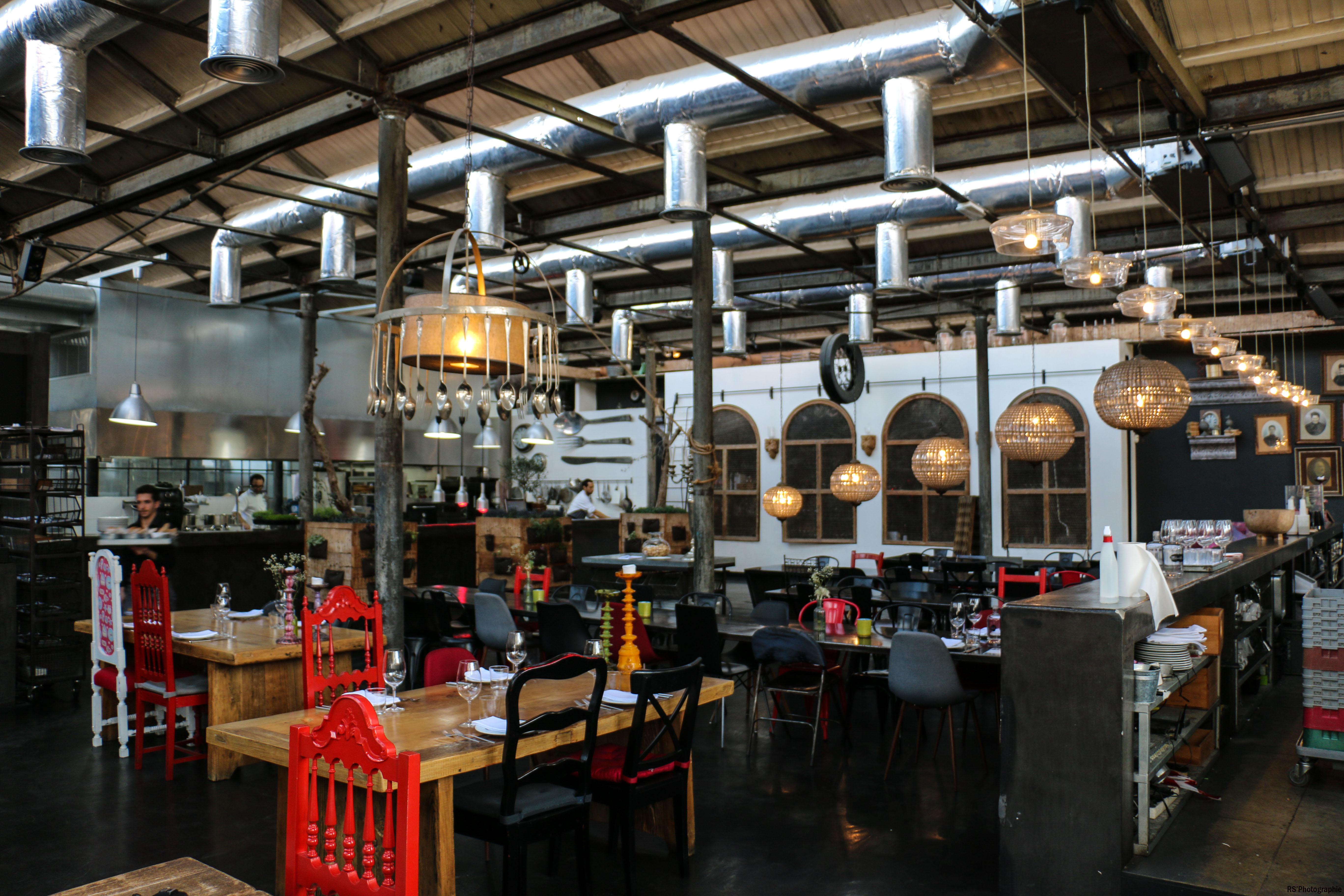 volvoXC402-volvo-xc40-restaurant- a praça-Arnaud Demasier-RSPhotographie