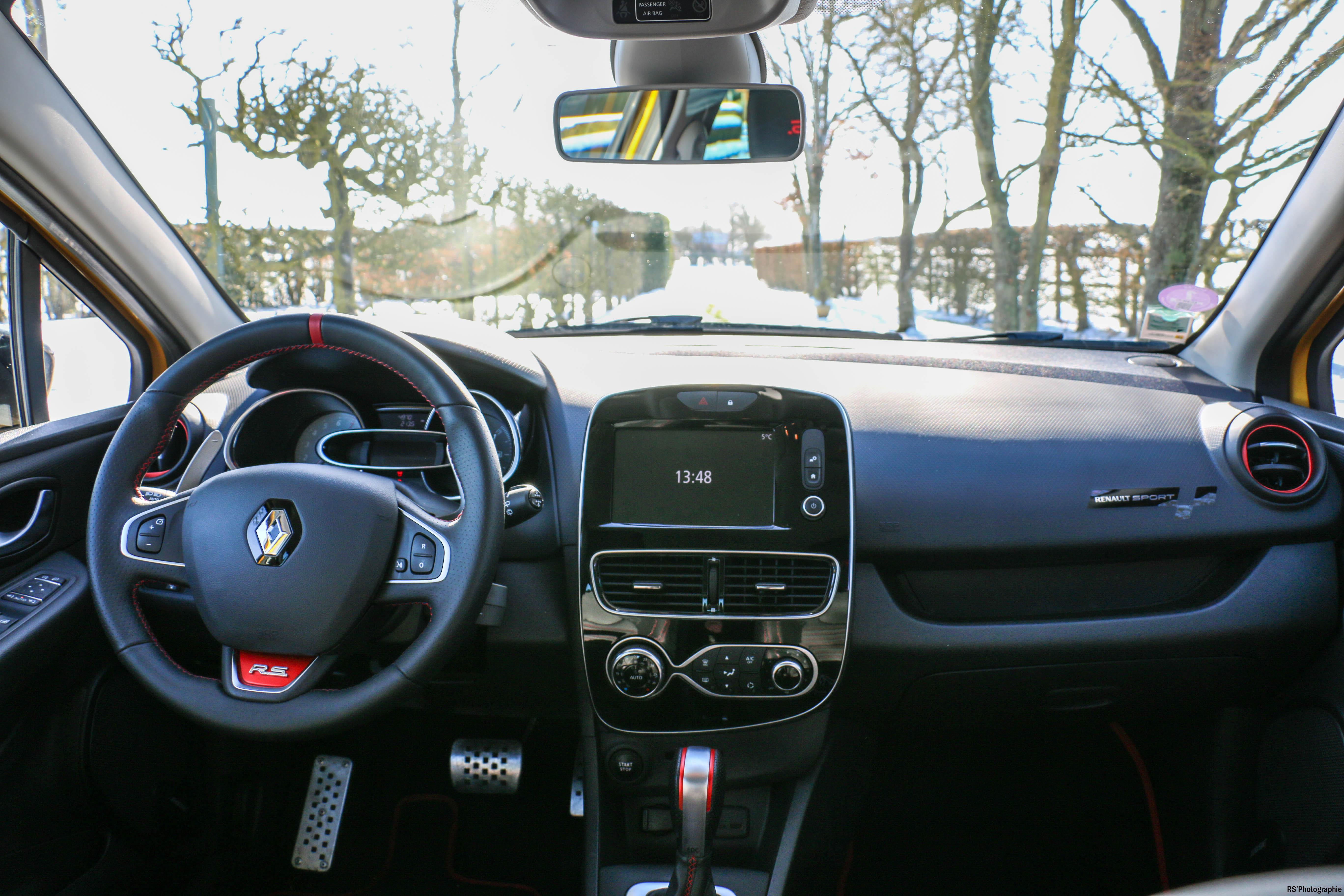 RenaultclioIVRSTrophy30-renault-clio-RS-trophy-intérieur-onboard-Arnaud Demasier-RSPhotographie