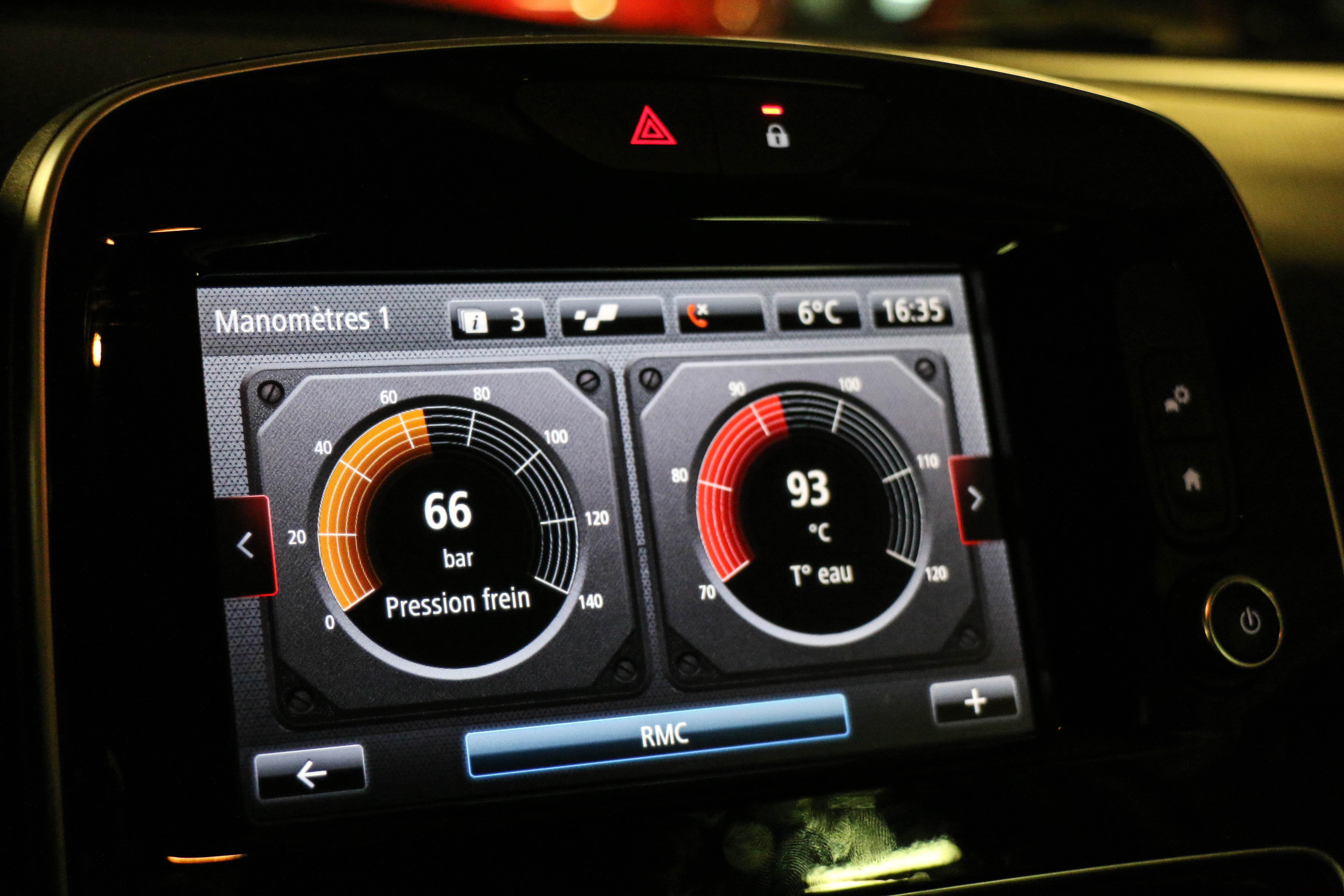RenaultclioIVRSTrophy59-renault-clio-RS-trophy-intérieur-onboard-Arnaud Demasier-RSPhotographie