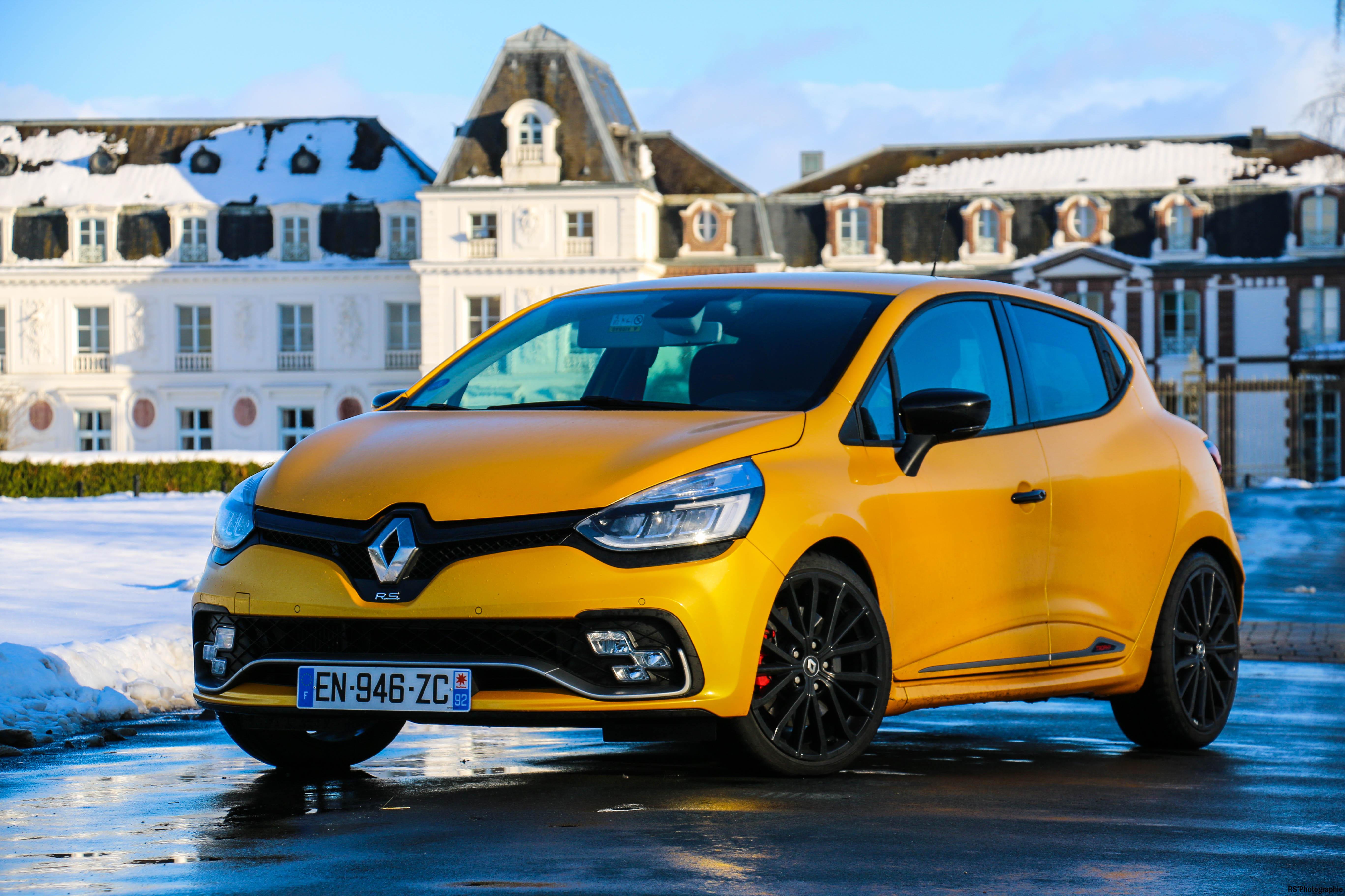 RenaultclioIVRSTrophy6-renault-clio-RS-trophy-avant-front-Arnaud Demasier-RSPhotographie