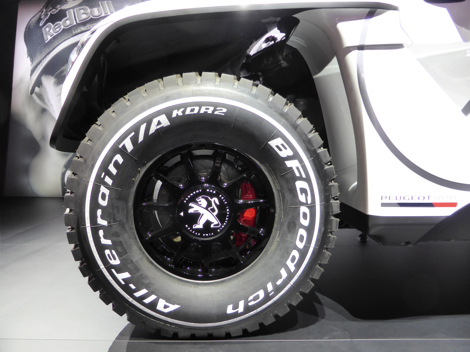 Peugeot 3008 DKR – roue / wheel – 2016 – Mondial Auto – photo ELJ DM