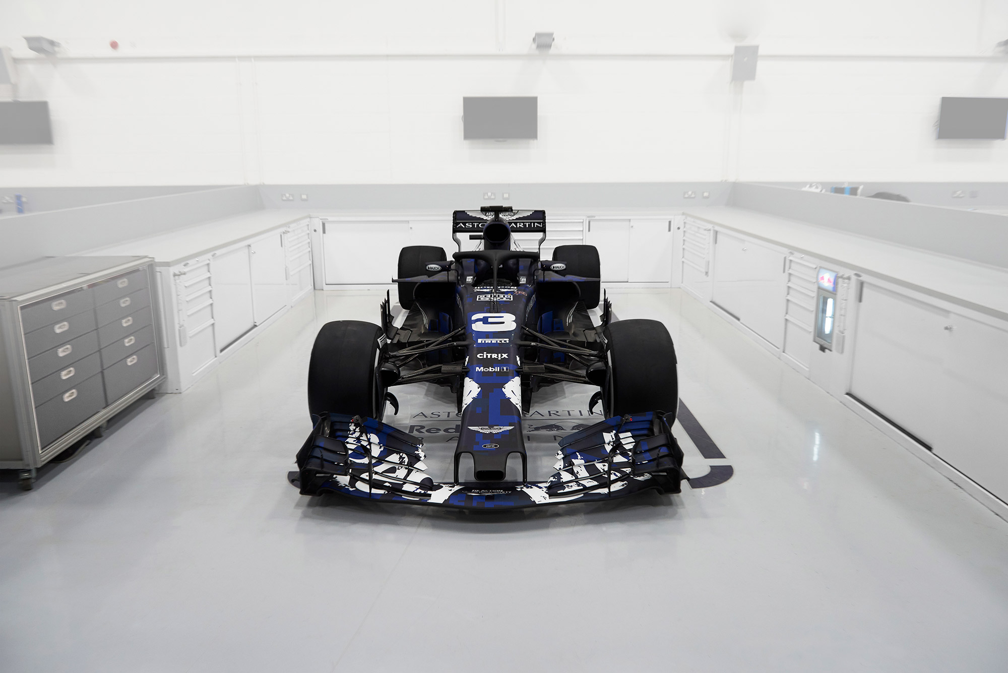 Aston Martin Red Bull Racing - RB14 - F1 2018 - front-face